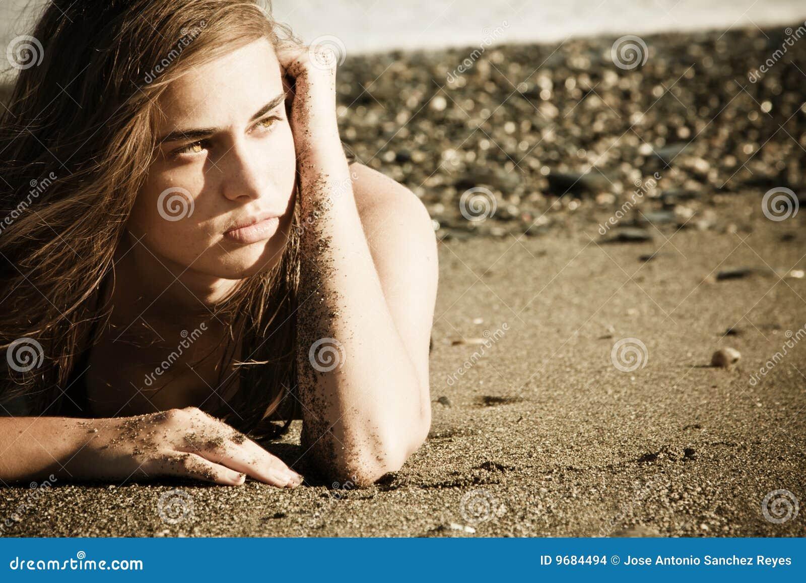 Beleza eyed verde na praia
