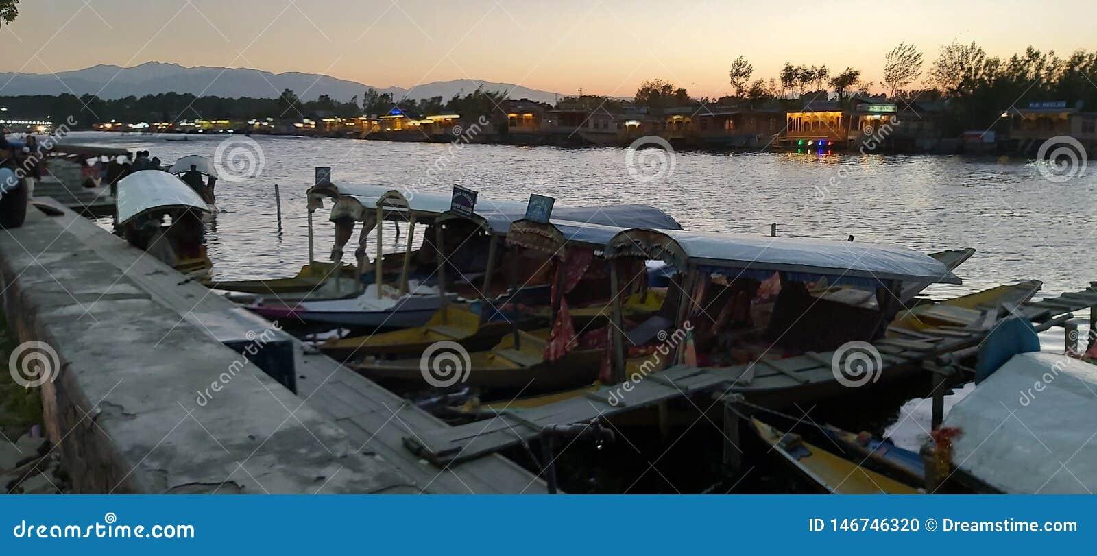 Beleza natural de Dal Lake, Srinagar