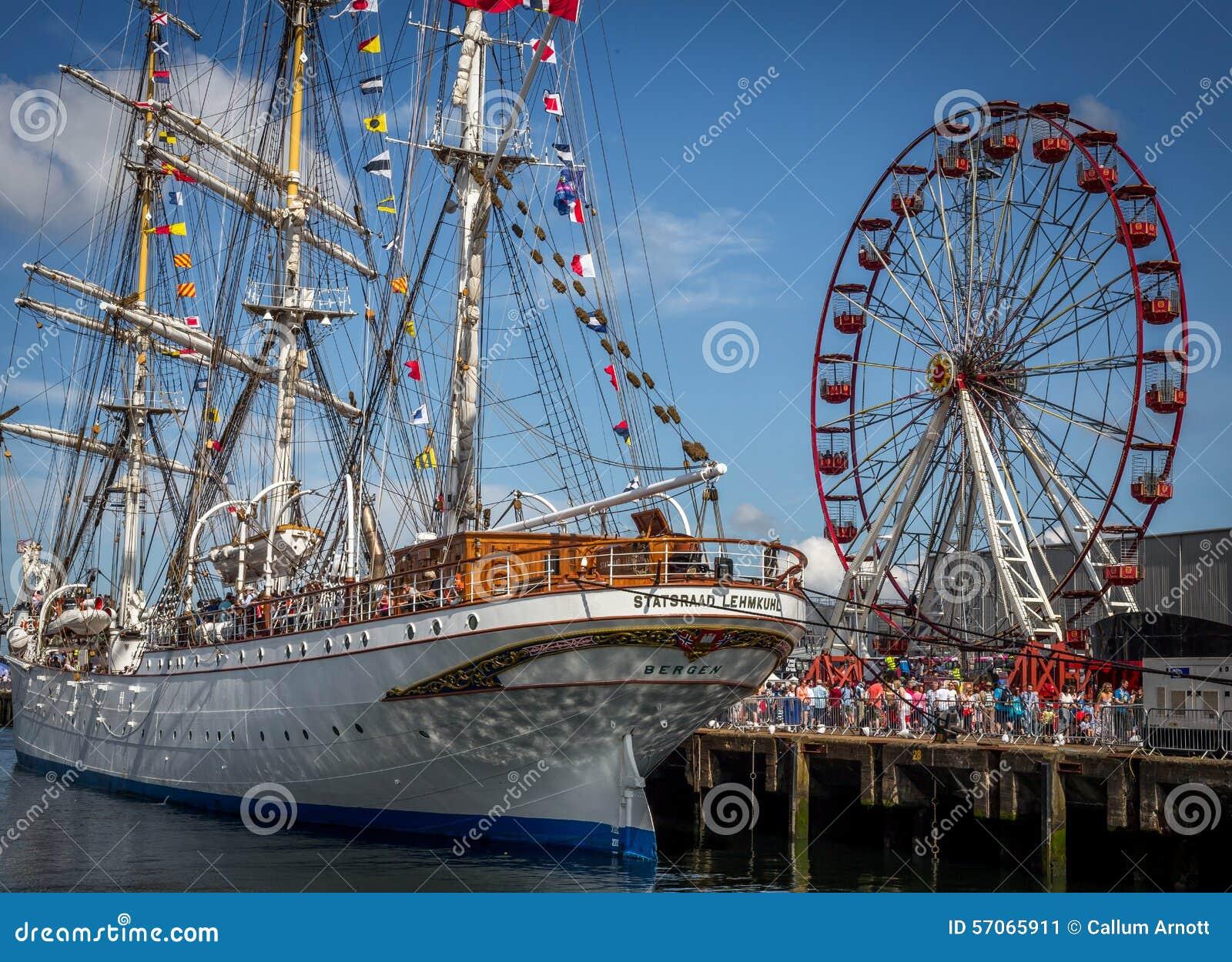 Belfast dokt lang schip en Reuzenrad