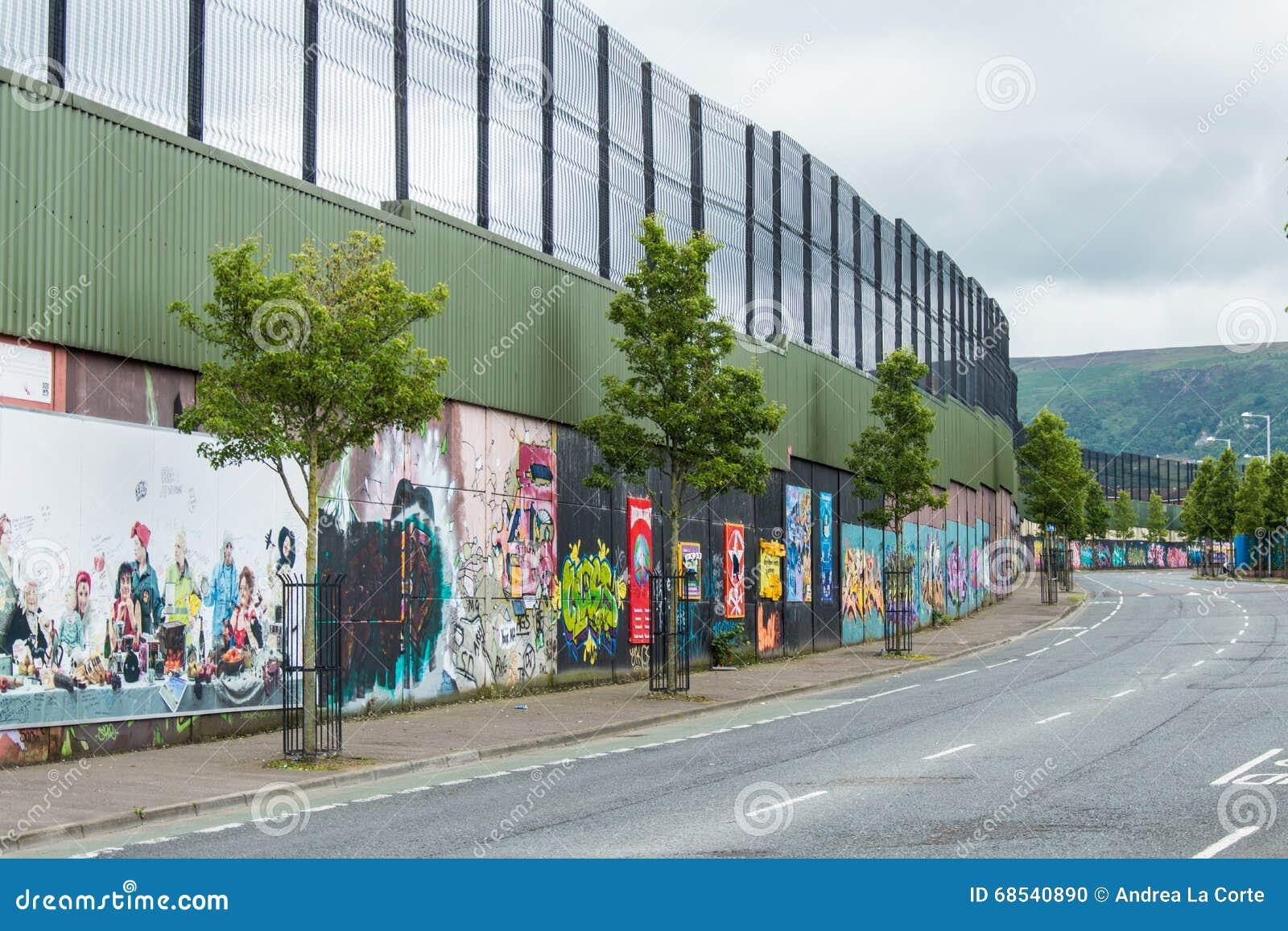 Belfast murals editorial image image 68540890 for Mural northern ireland