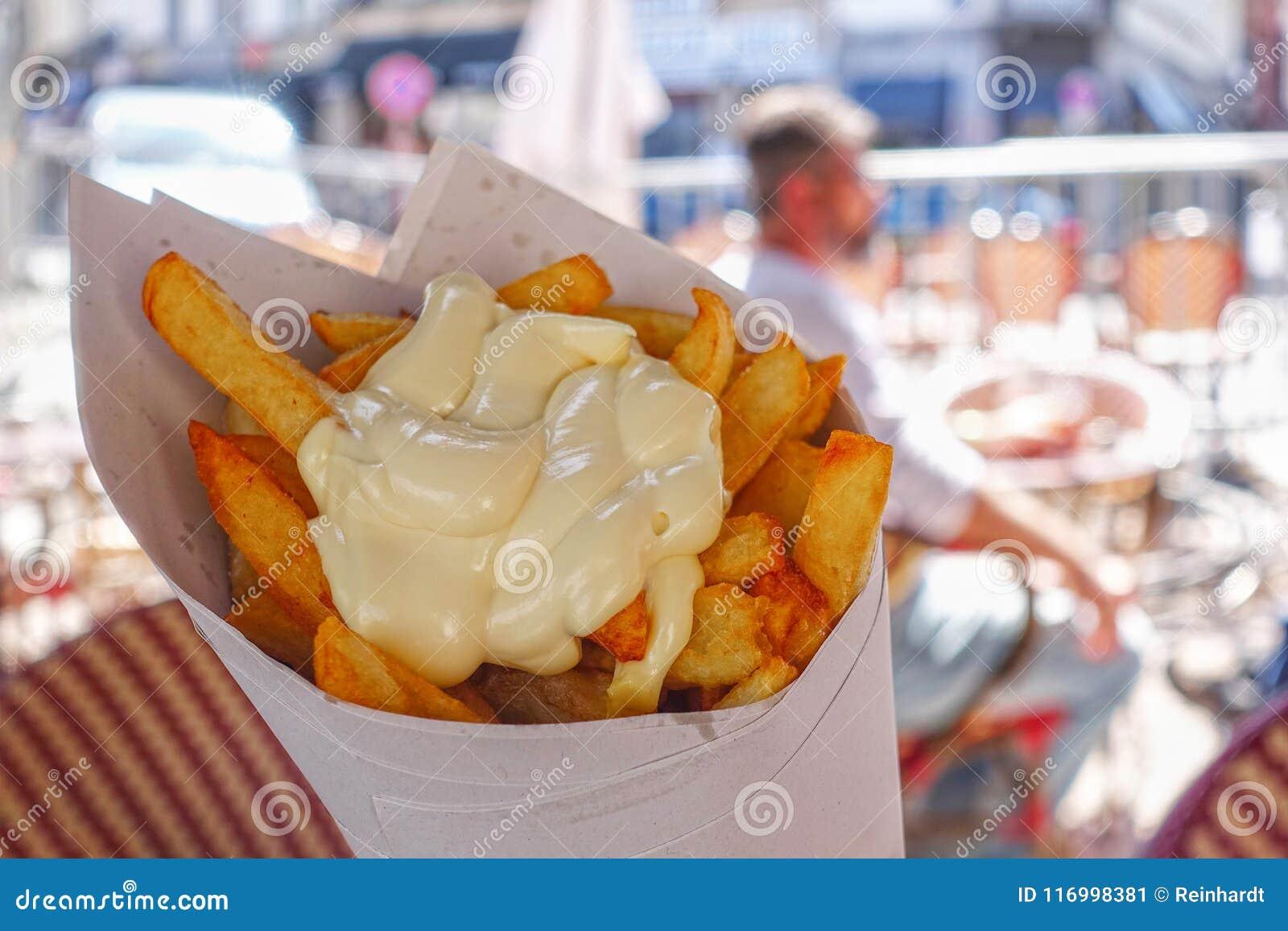 Belgijscy francuzów dłoniaki z majonezem