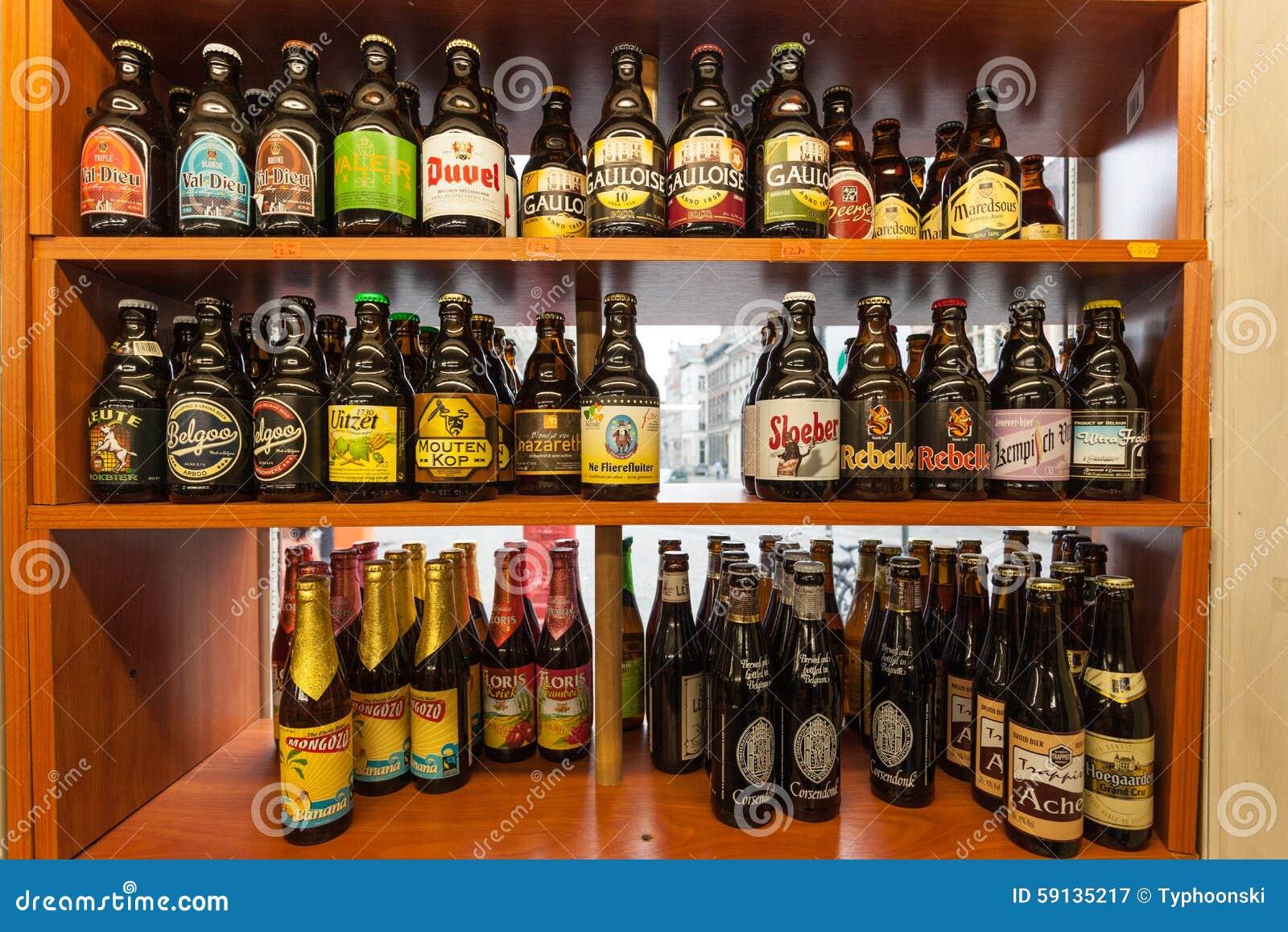Belgisches Bier In Einem Shop Redaktionelles Stockfotografie - Bild ...