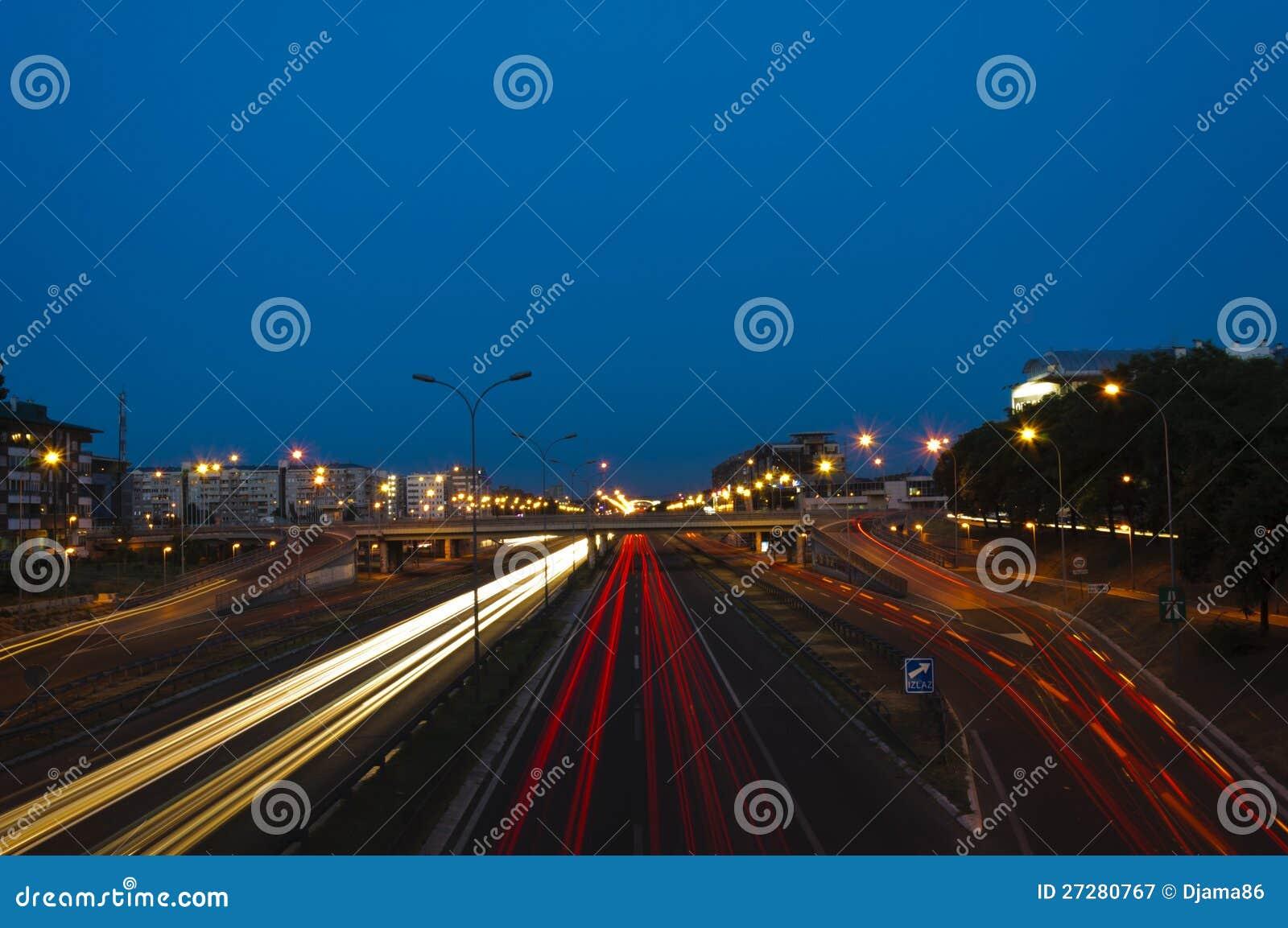 Belgrade trafik på natten