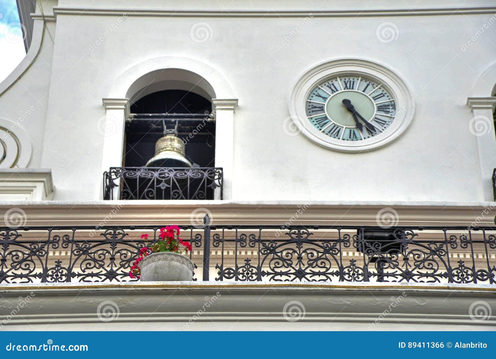 Bell e pulso de disparo de uma construção governamental velha