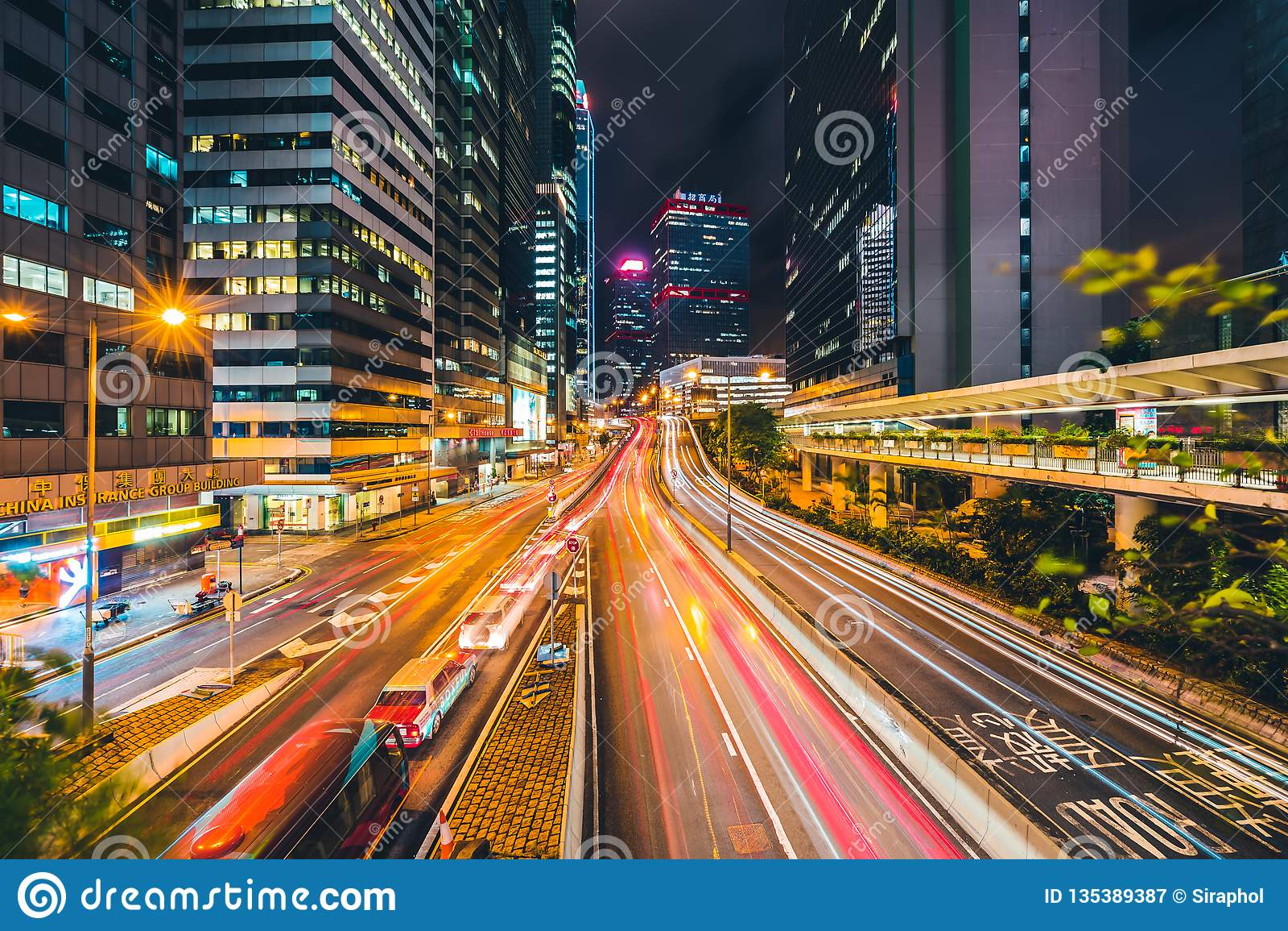 Bella architettura che sviluppa paesaggio urbano esteriore dell orizzonte della città di Hong Kong