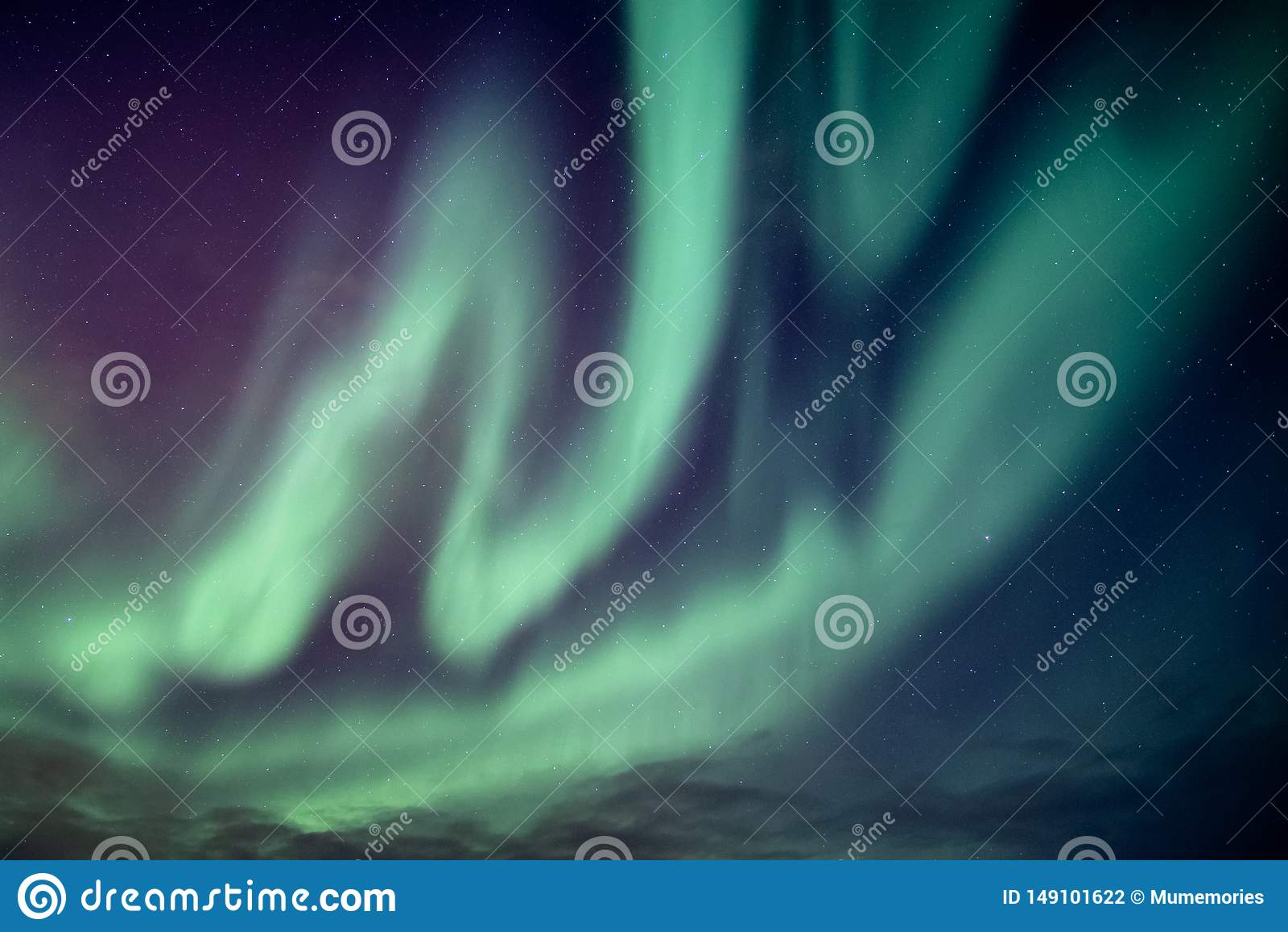 Bella aurora boreale o esplosione di aurora borealis