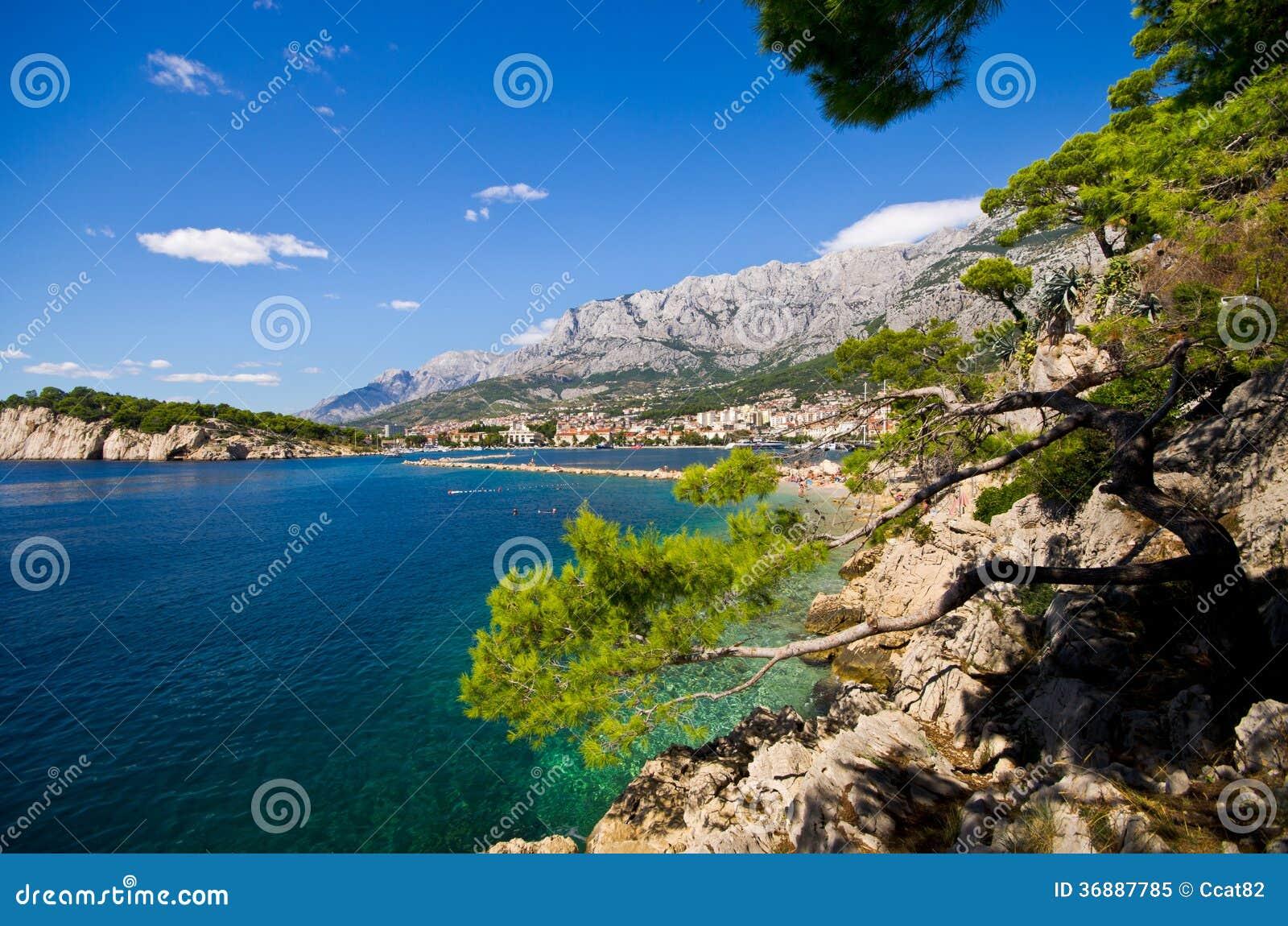 Download Bella Baia Di Makarska, Croazia Immagine Stock - Immagine di porto, aperto: 36887785