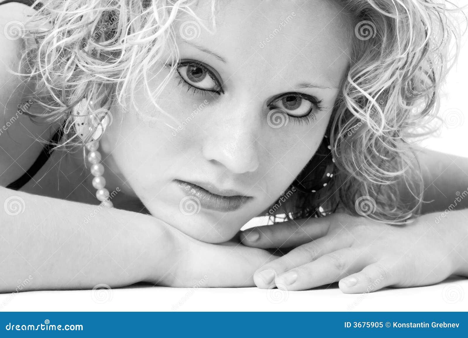 Download Bella calma monocromatica immagine stock. Immagine di bellezza - 3675905