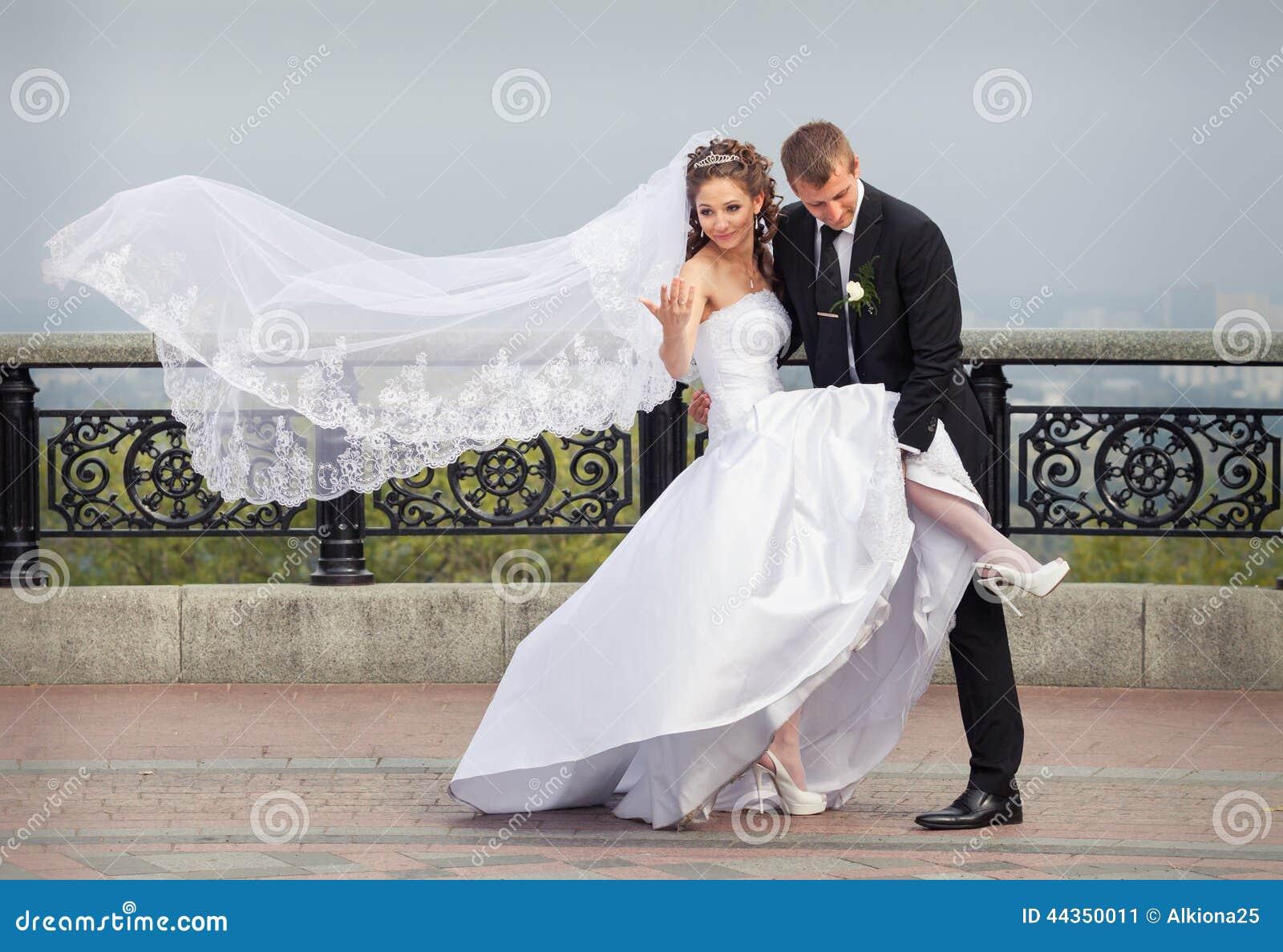 Bella cerimonia nuziale delle coppie