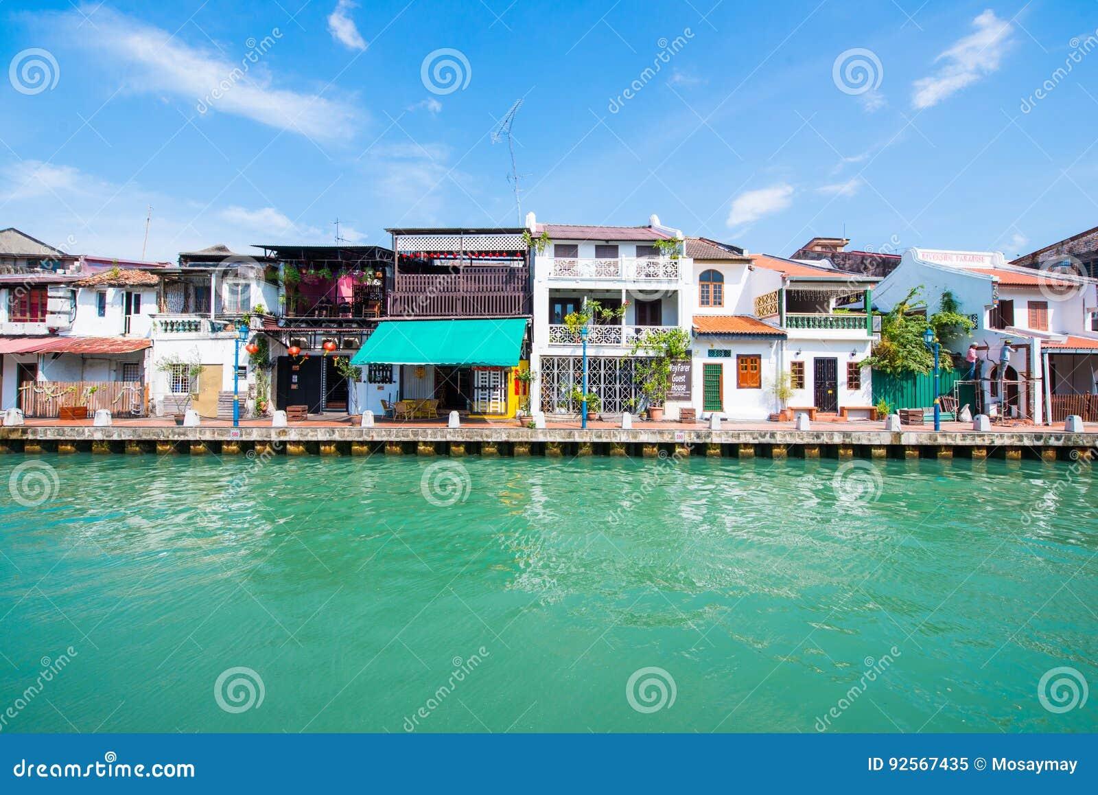 Bella comunità di lungomare nella città di Melaka