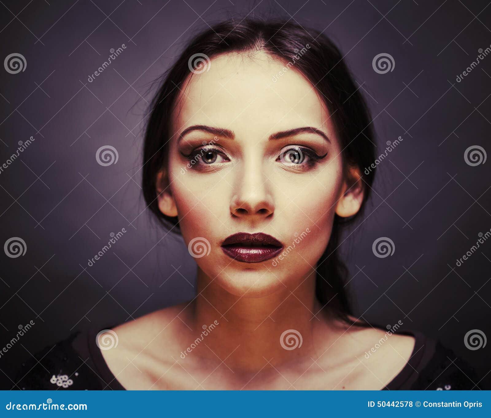 Bella donna affascinante