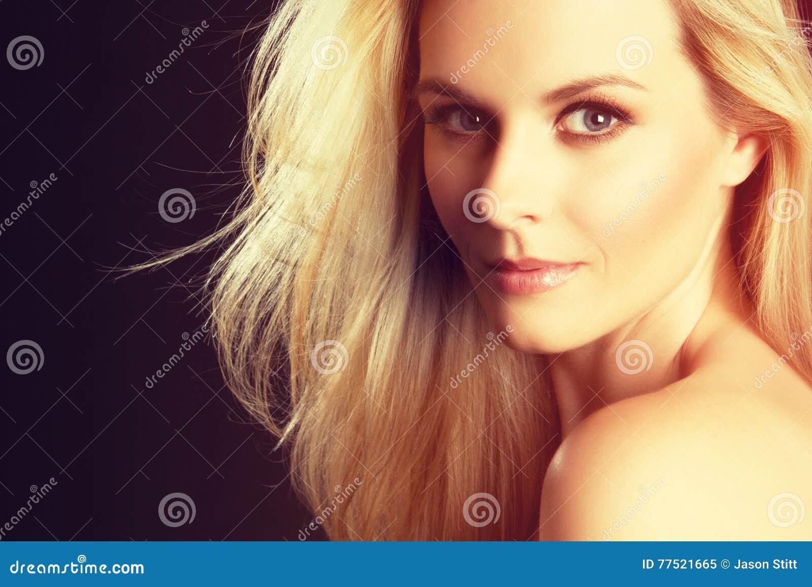 Bella donna bionda