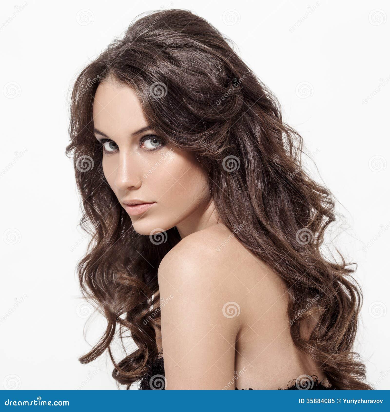 Bella Donna Castana. Capelli Lunghi Ricci. Immagine Stock ...