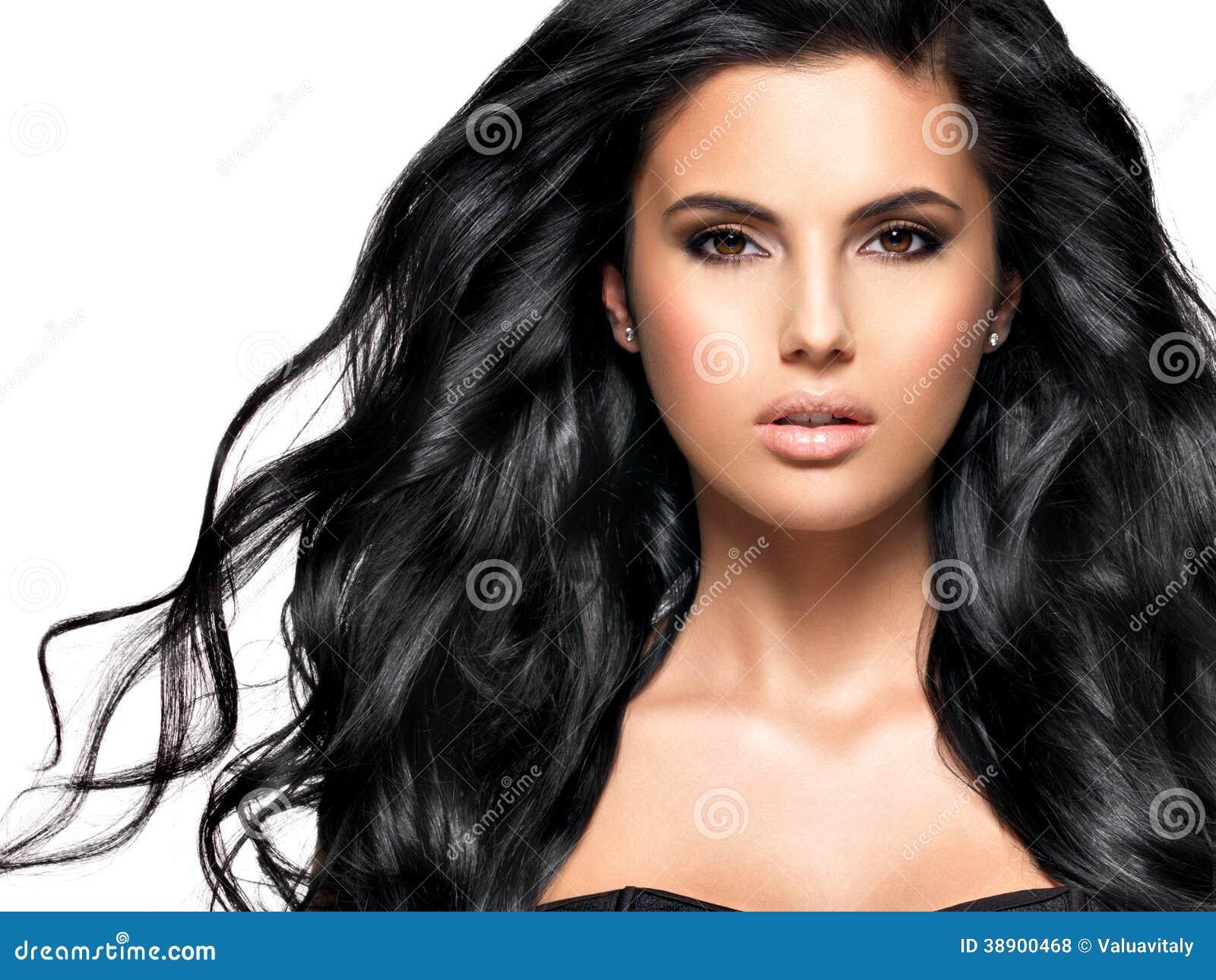 Donne coi capelli neri