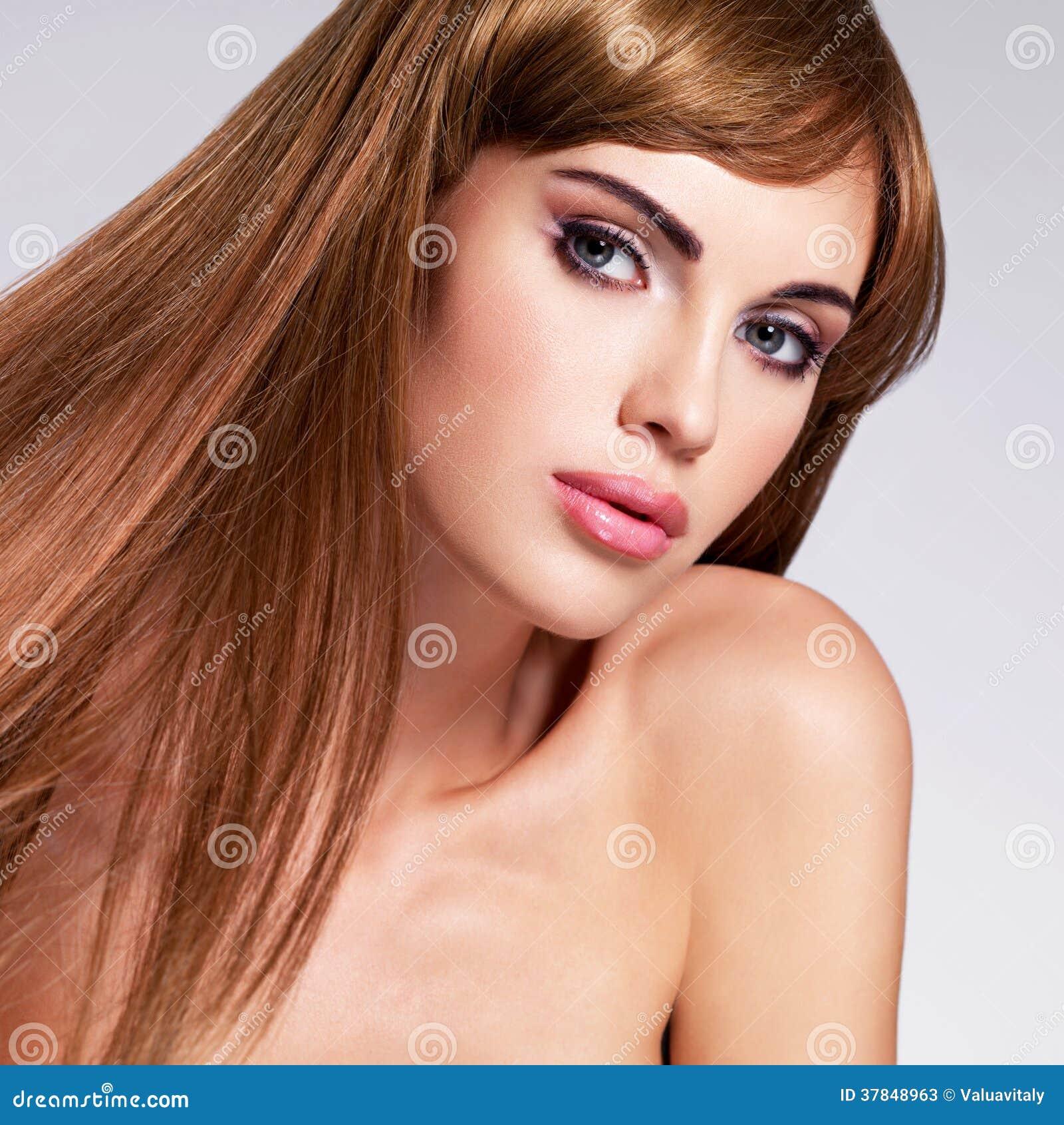 Bella Donna Sexy Con Capelli Lunghi Immagine Stock ...