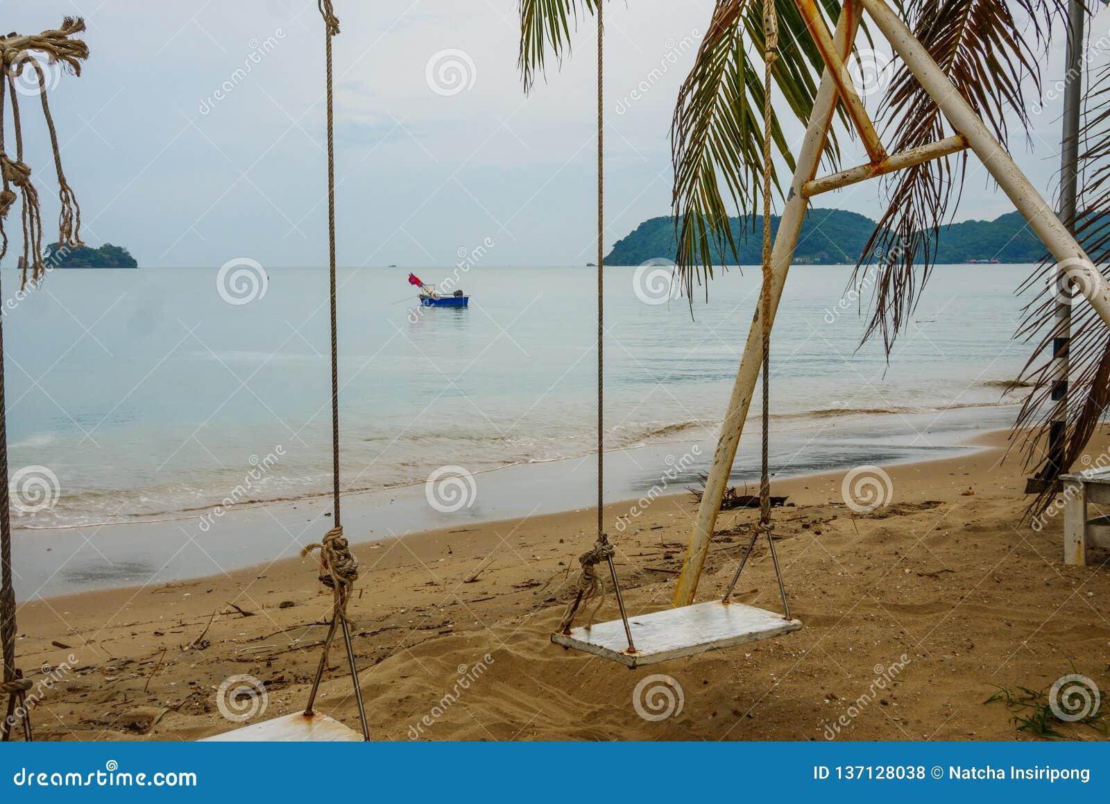 Bella e spiaggia pacifica a Chanthaburi, Tailandia