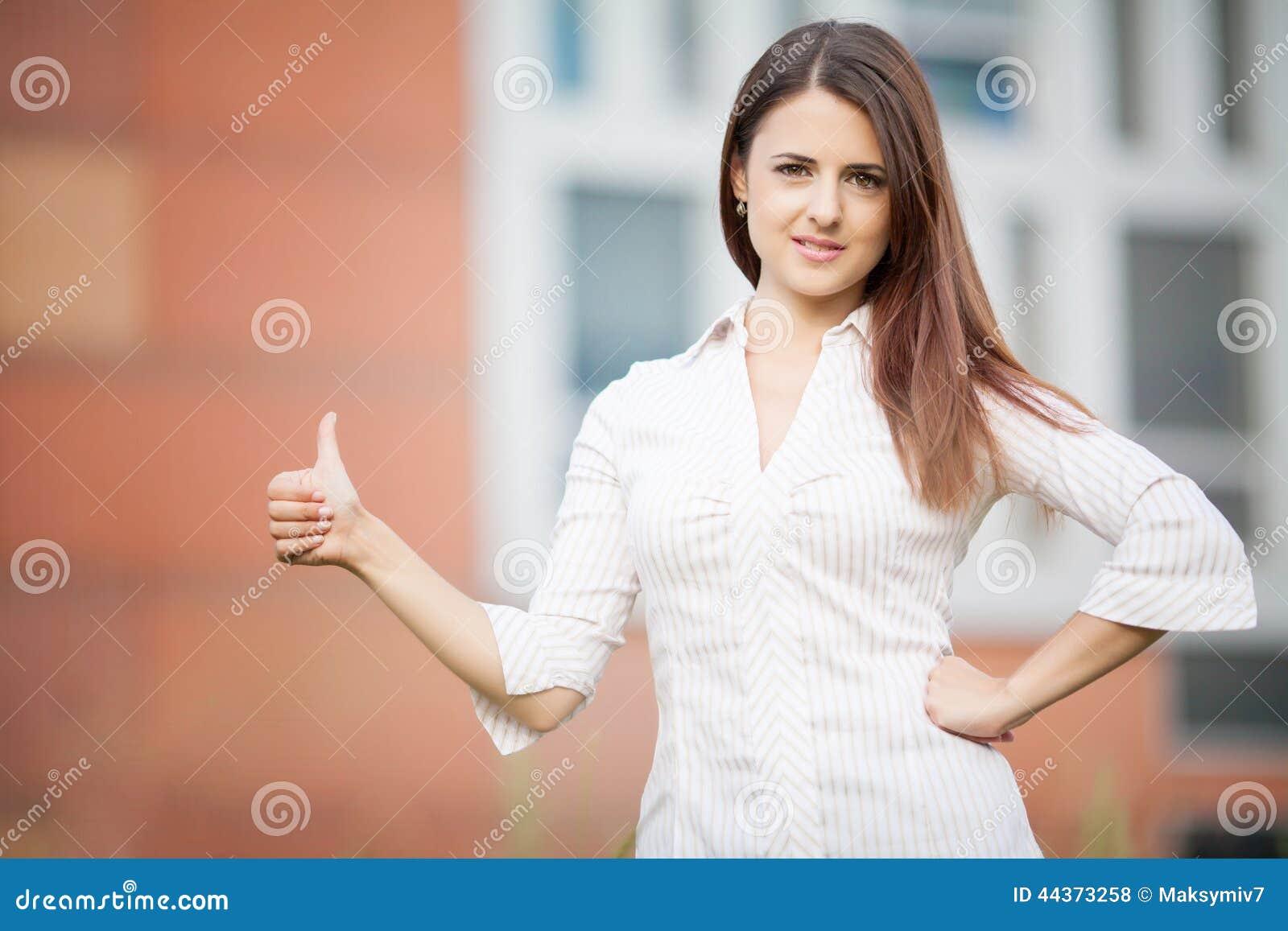 Bella giovane donna di affari