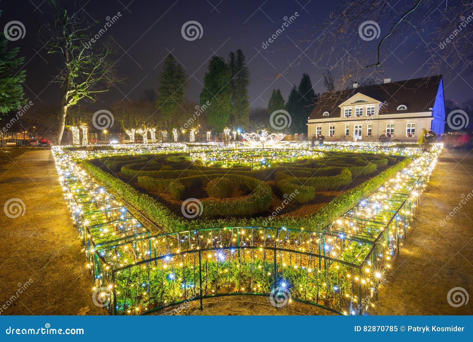 Spaccio ai giardini pubblici telecamera e illuminazione al parco