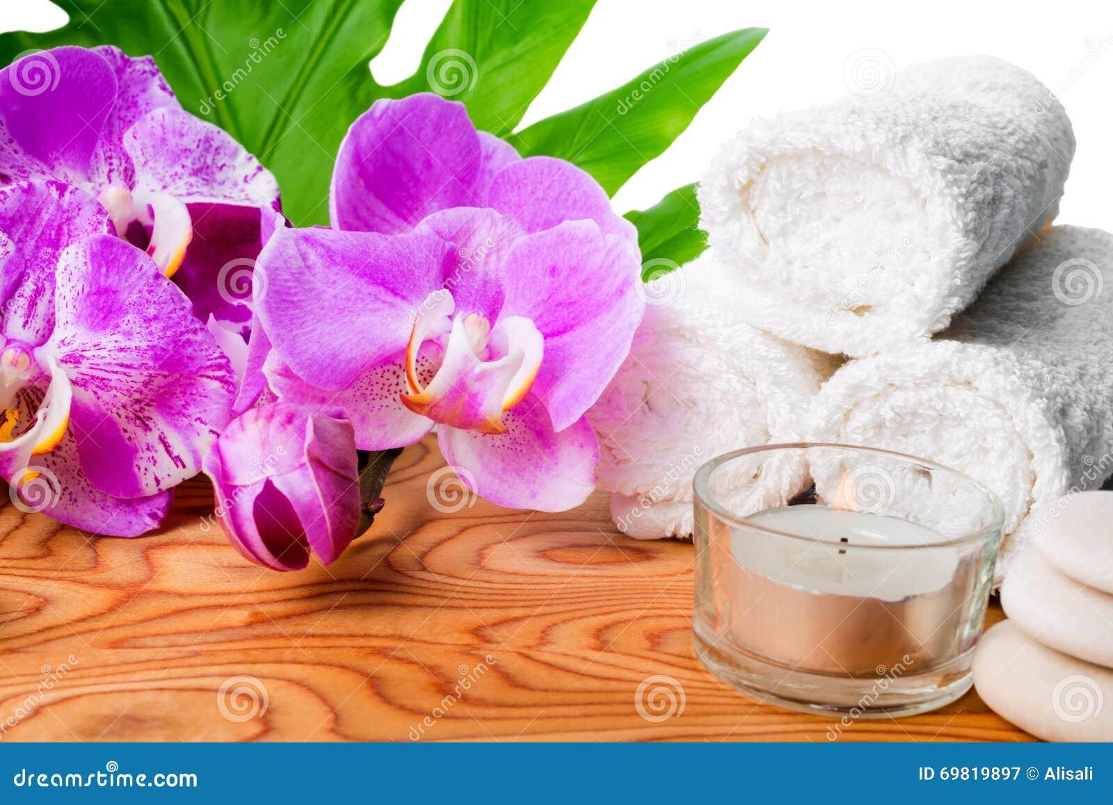 Bella natura morta della stazione termale con l 39 orchidea for Orchidea fioritura