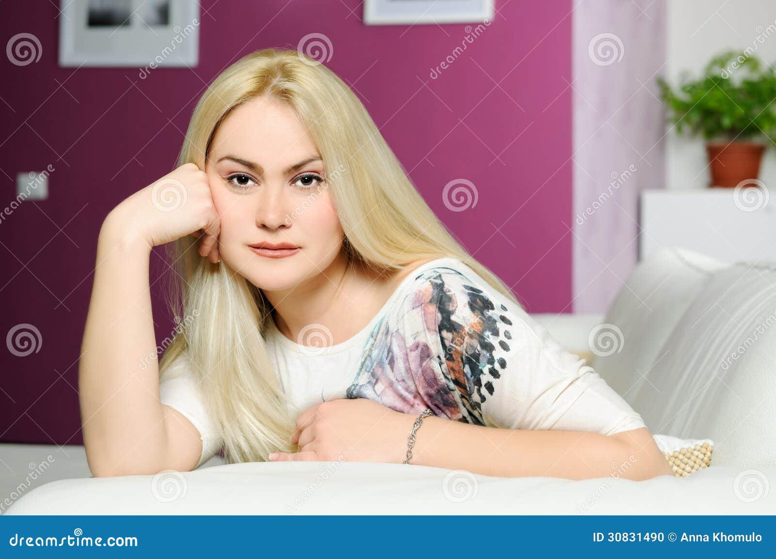 Bella ragazza bionda