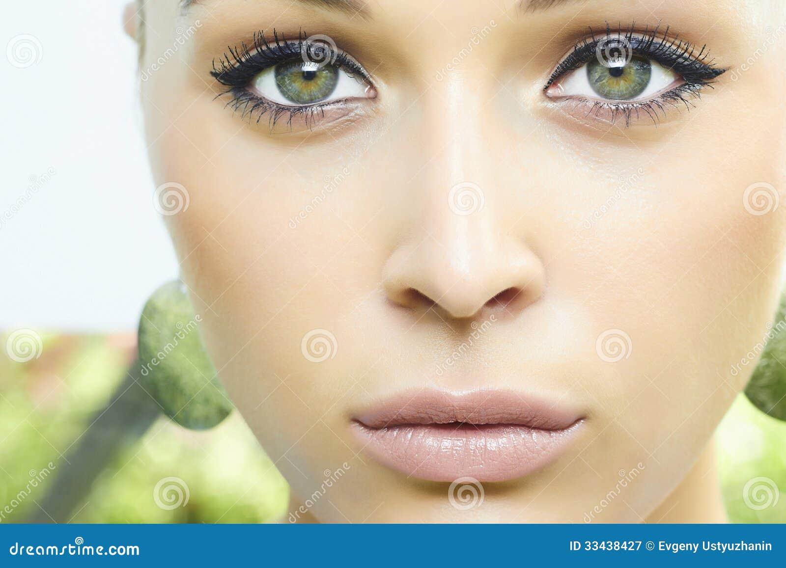 Preferenza Bella Ragazza Bionda Con Gli Occhi Verdi. Donna Di Bellezza  XJ06
