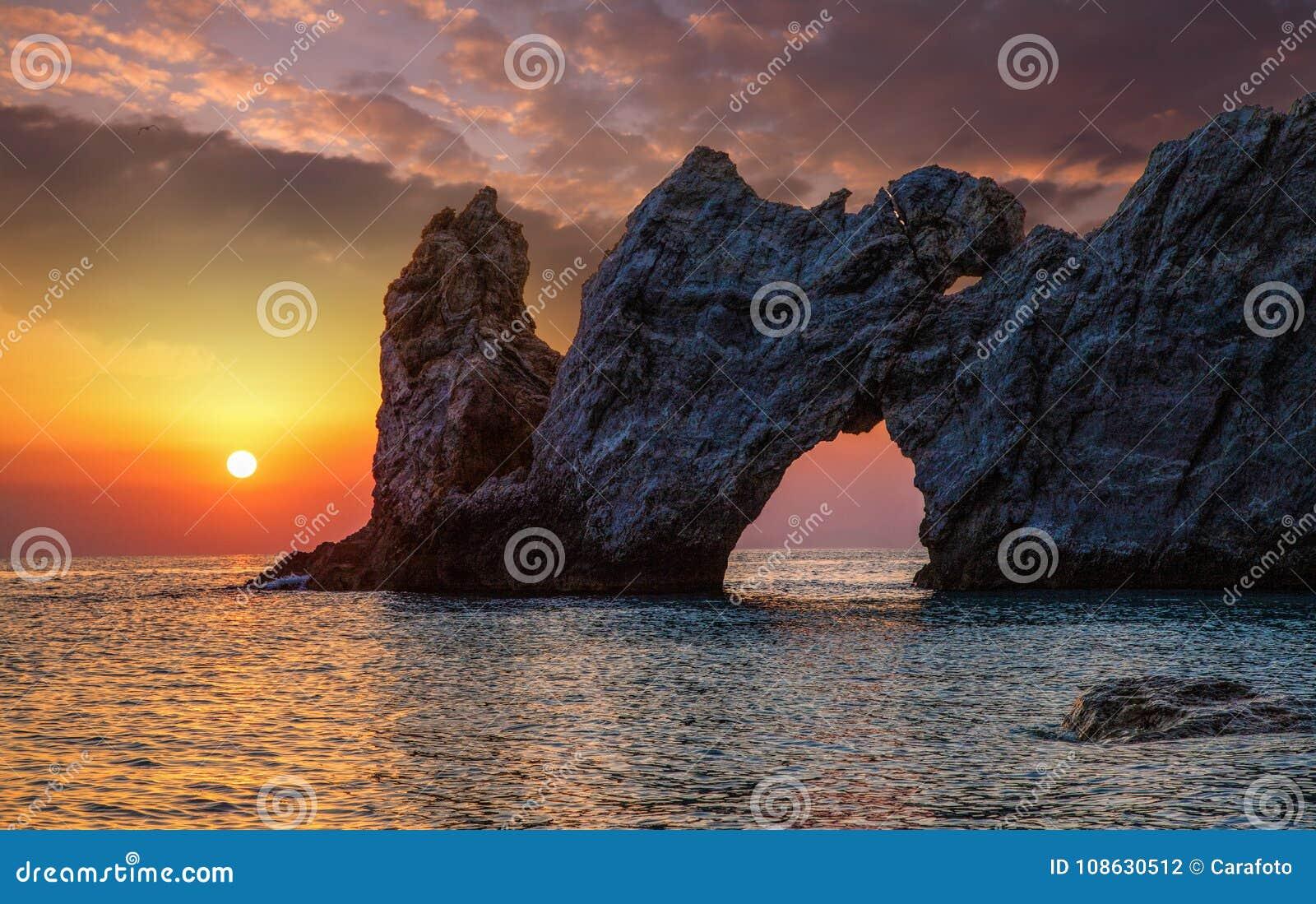 Bella spiaggia con acqua molto chiara