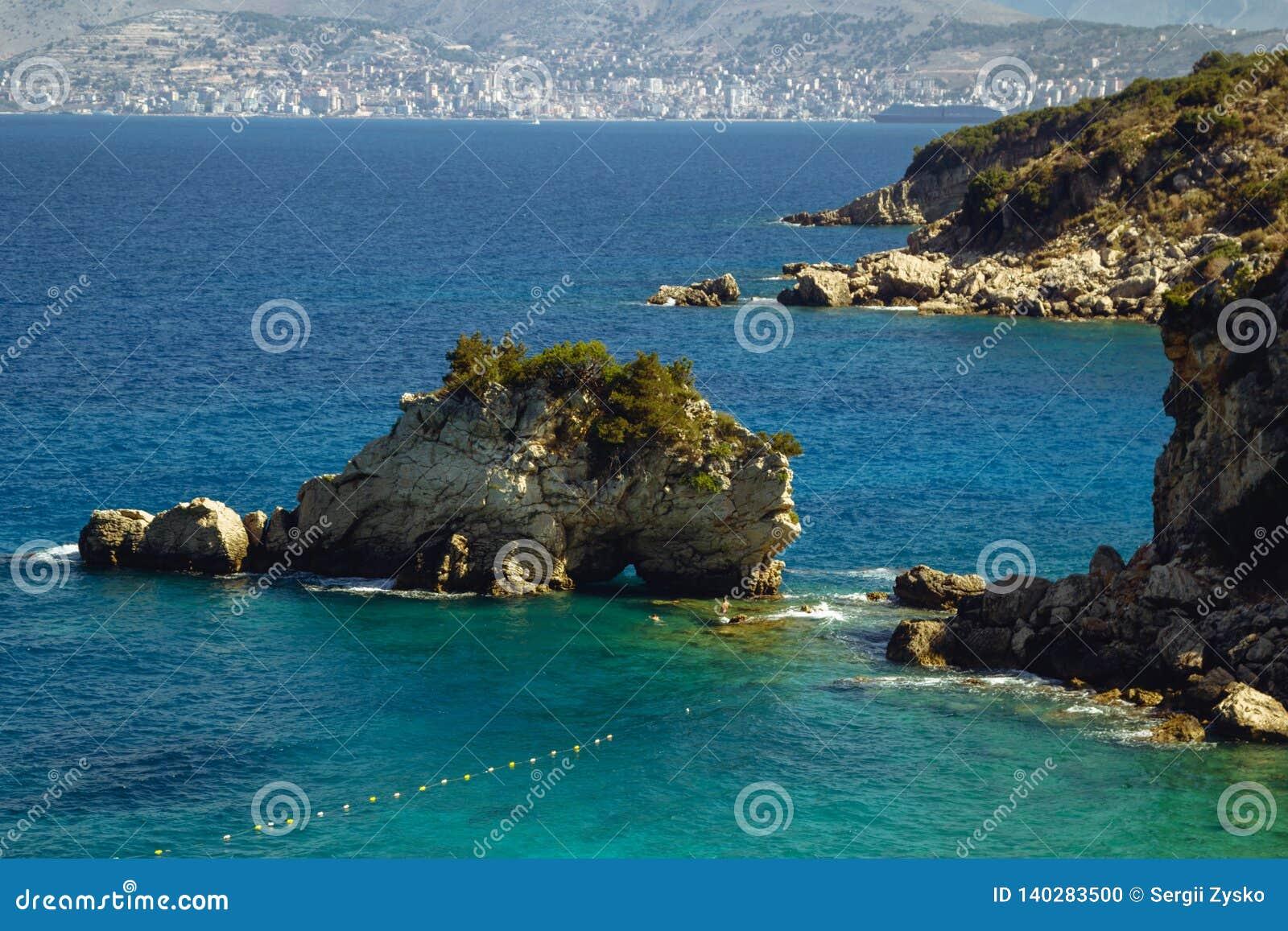 Bella spiaggia per una festa in Albania Mare ionico