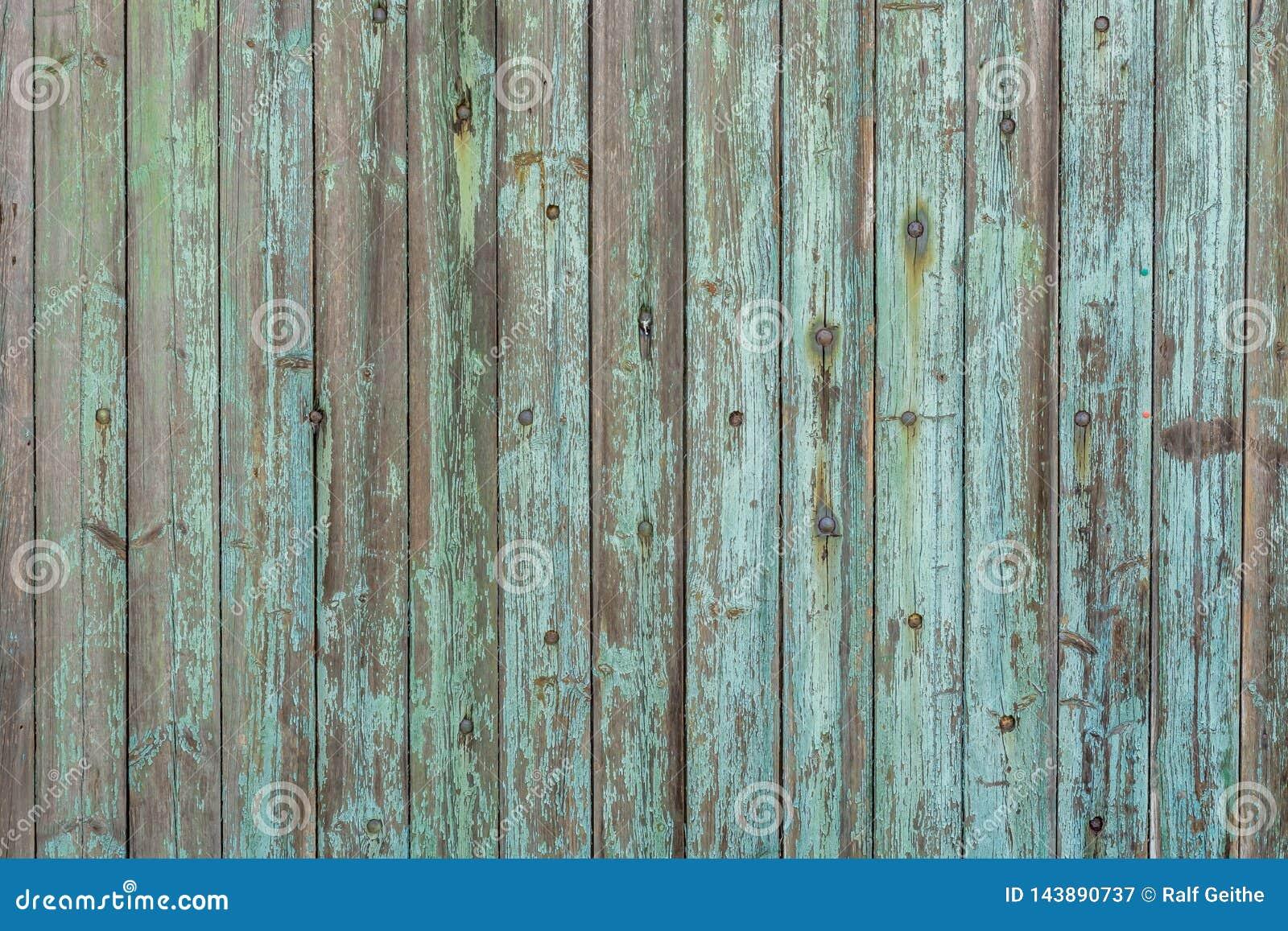 Bella struttura di legno dai bordi di legno anziani e dalla pittura stagionata