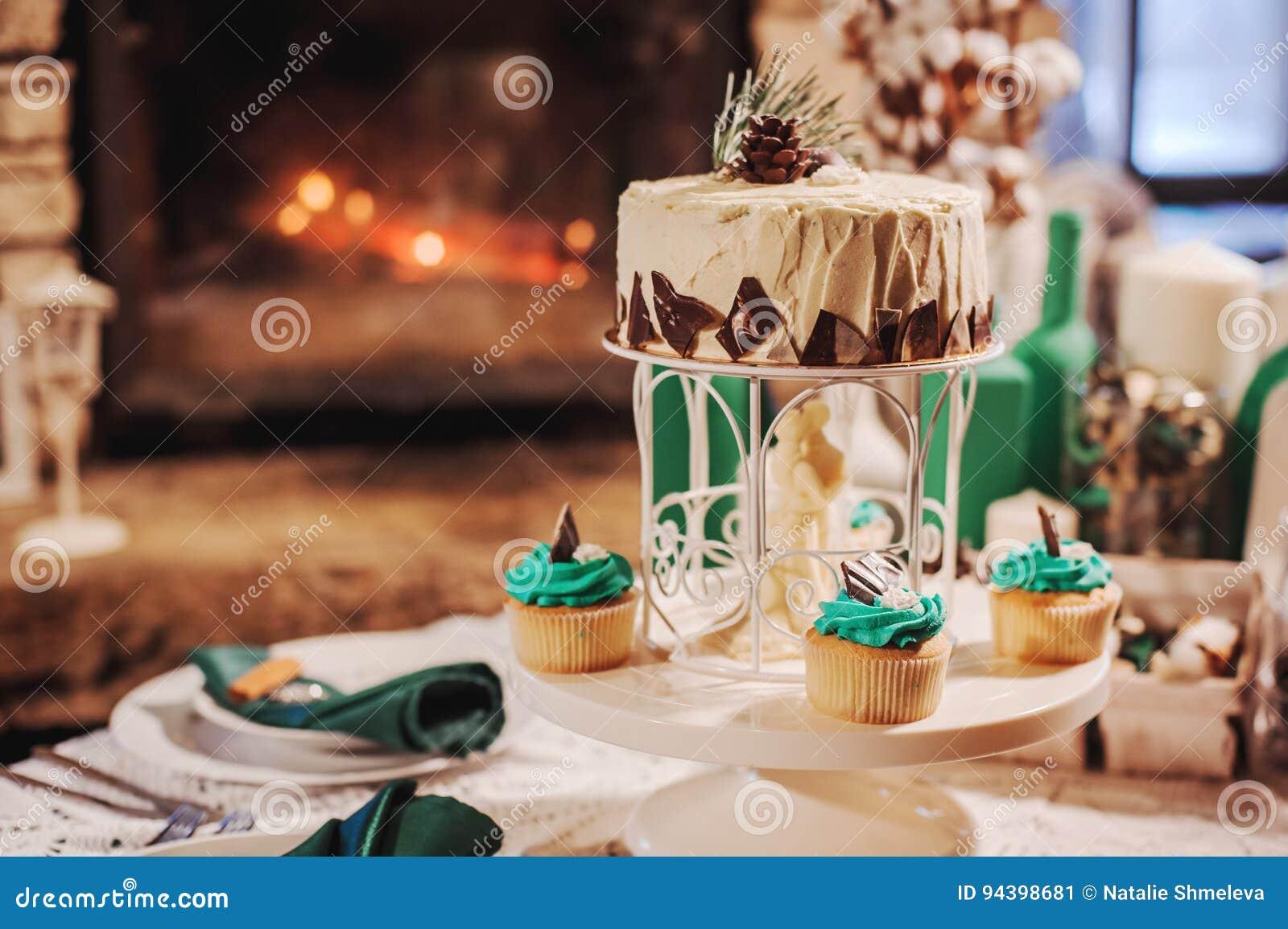 Bella torta di cerimonia nuziale