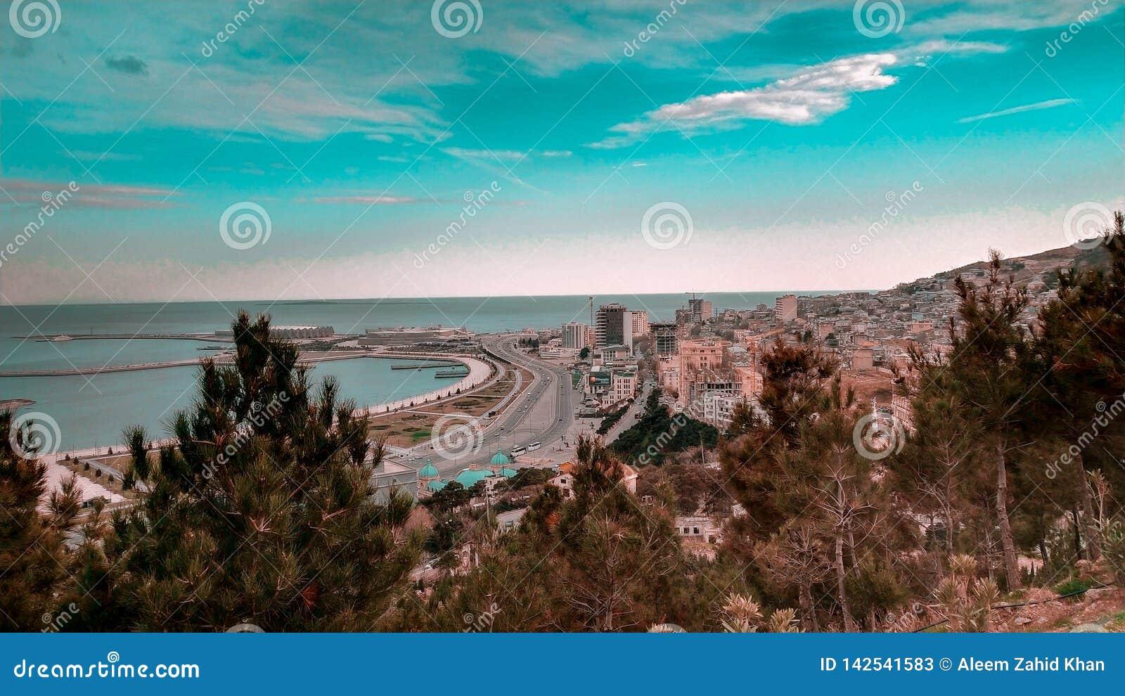 Bella vista del mare a Bacu Azerbaigian