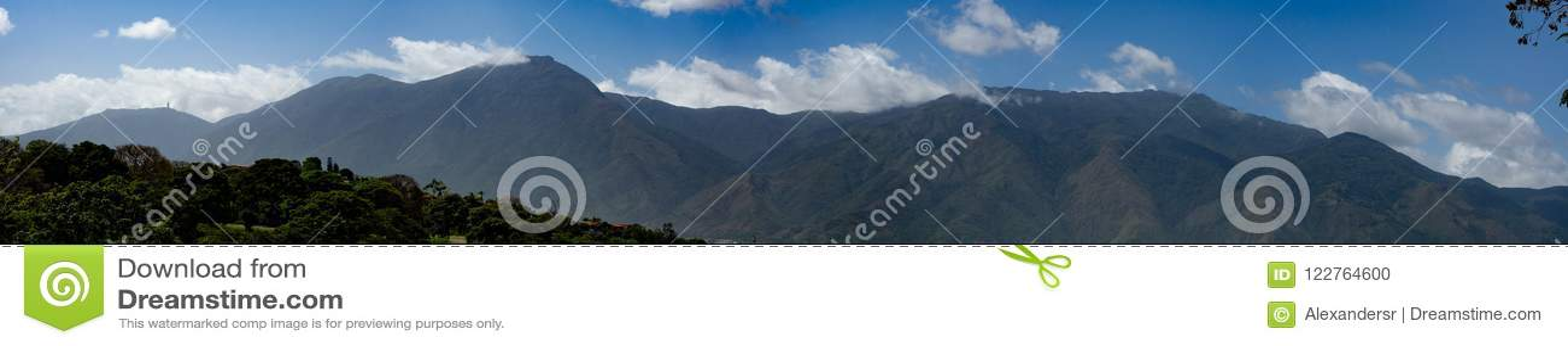 Bella vista della montagna Caracas Venezuela Warairarepano di Avila