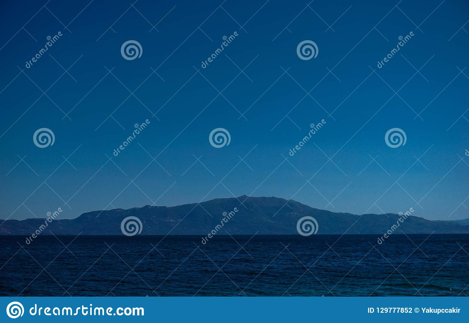 Bella vista vigorosa dell isola di Lesbos da Asso