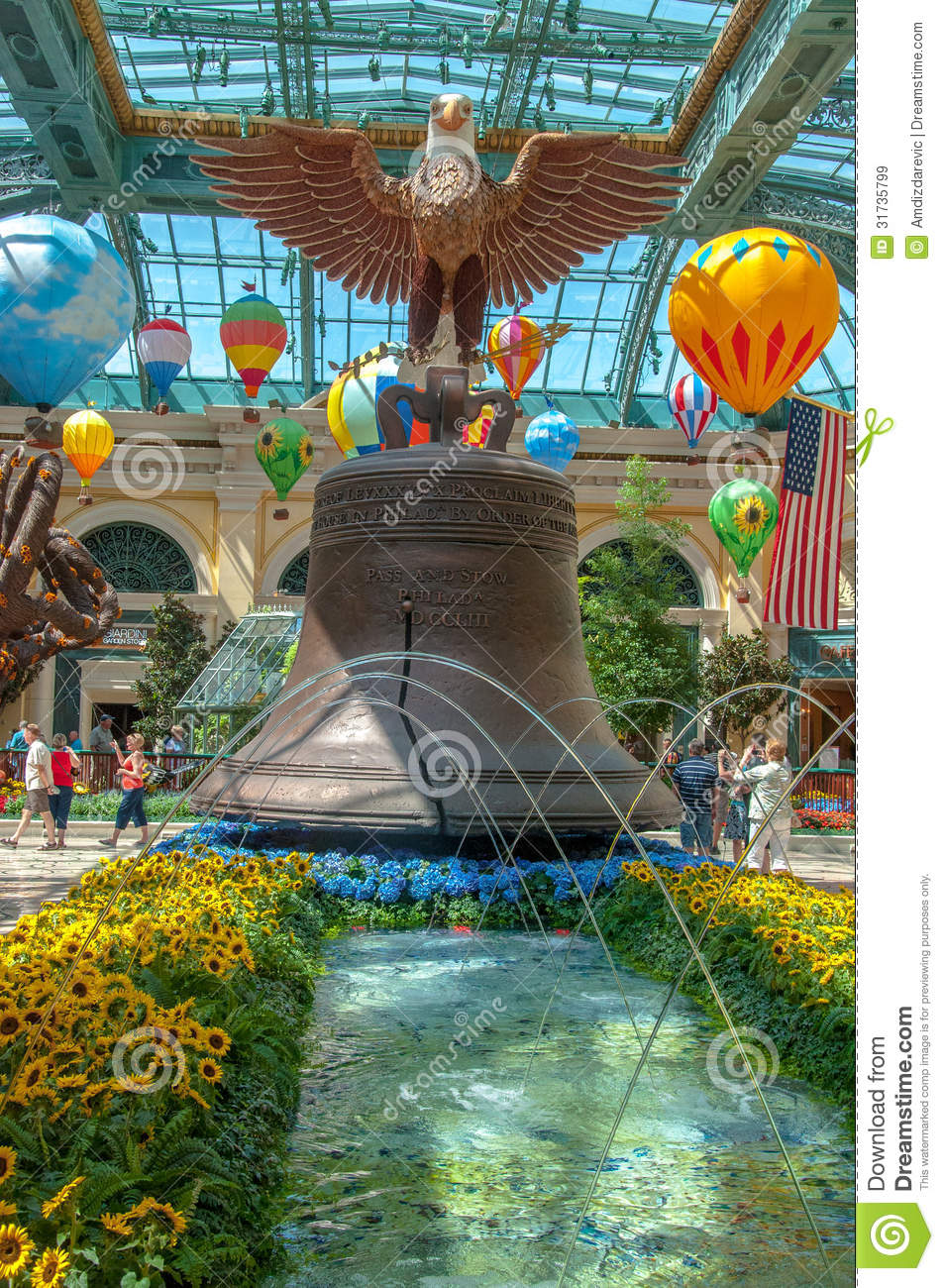 Bellagio conservatory and botanical gardens editorial for Garden statues las vegas nv