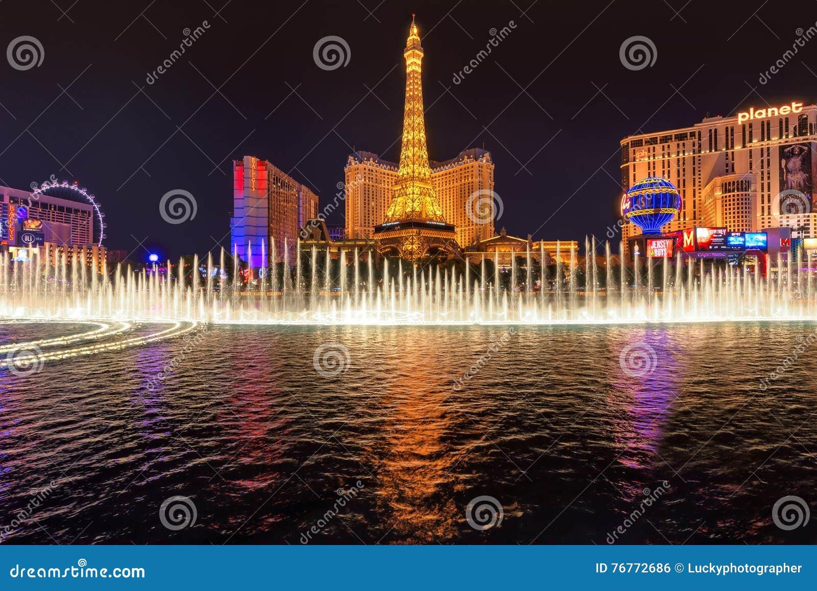 Bellagio fountain show at Paris hotel and casino in Las Vegas