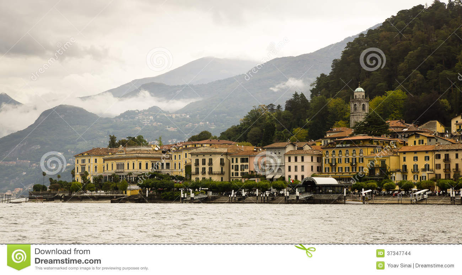 Bellagio från sjön Como, Italien