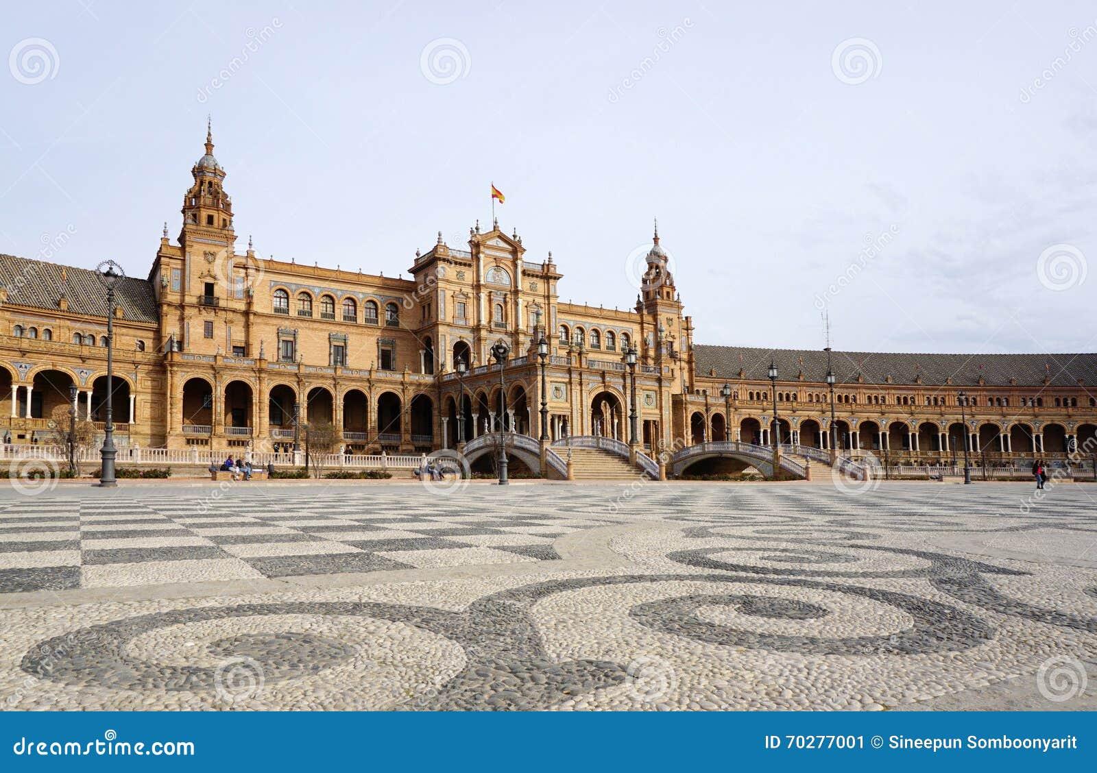 Belle architecture du b timent de plaza de espa a avec l for Architecture des batiments