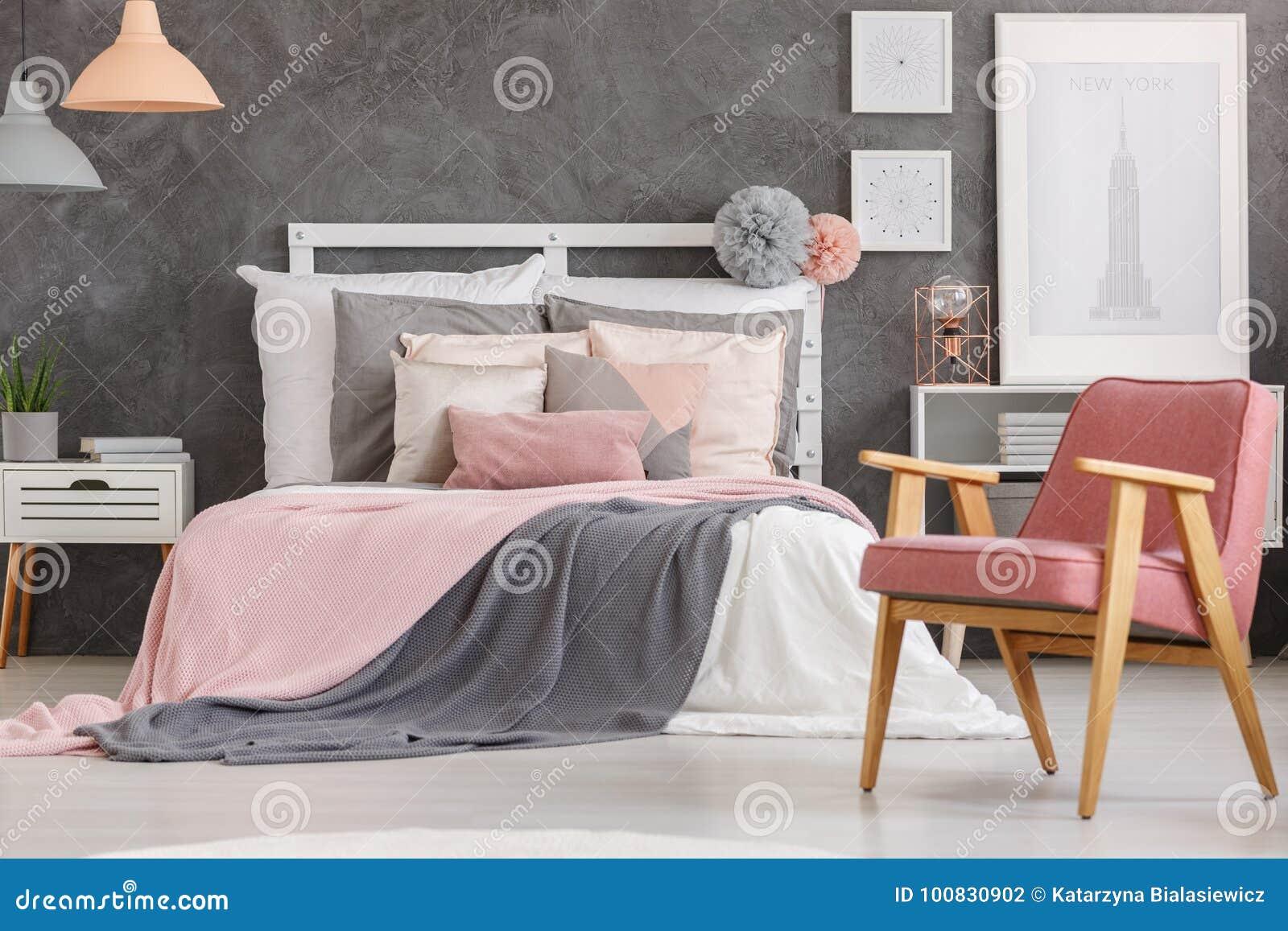 Chambre Rose Poudré Fille belle chambre à coucher de filles photo stock - image du
