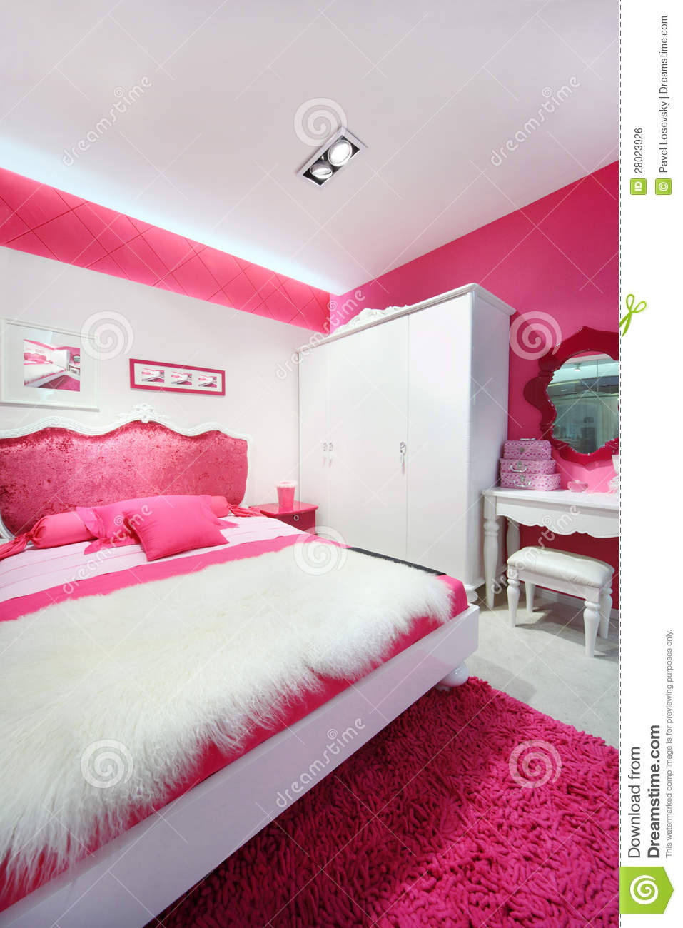 belle chambre coucher rose blanche image libre de droits image 28023926. Black Bedroom Furniture Sets. Home Design Ideas