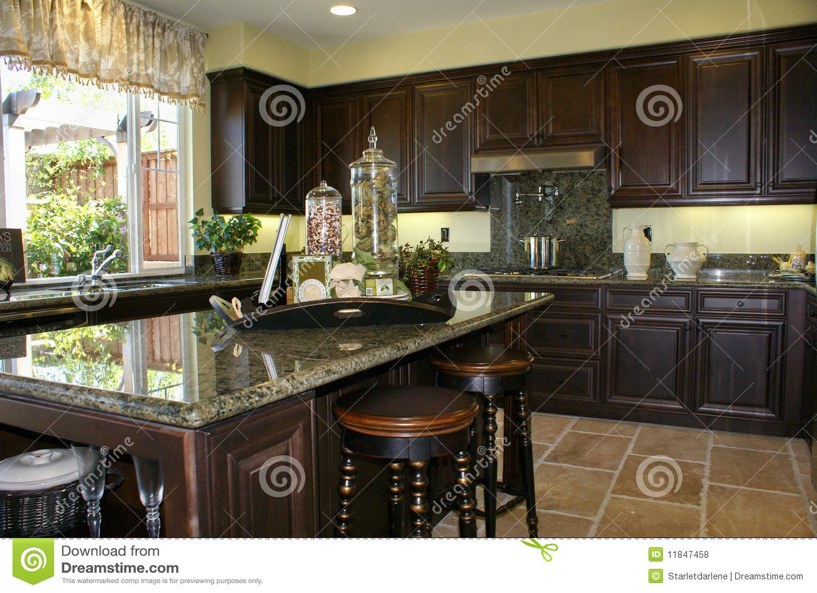 belle cuisine photo stock image du modules home lumi res 11847458. Black Bedroom Furniture Sets. Home Design Ideas