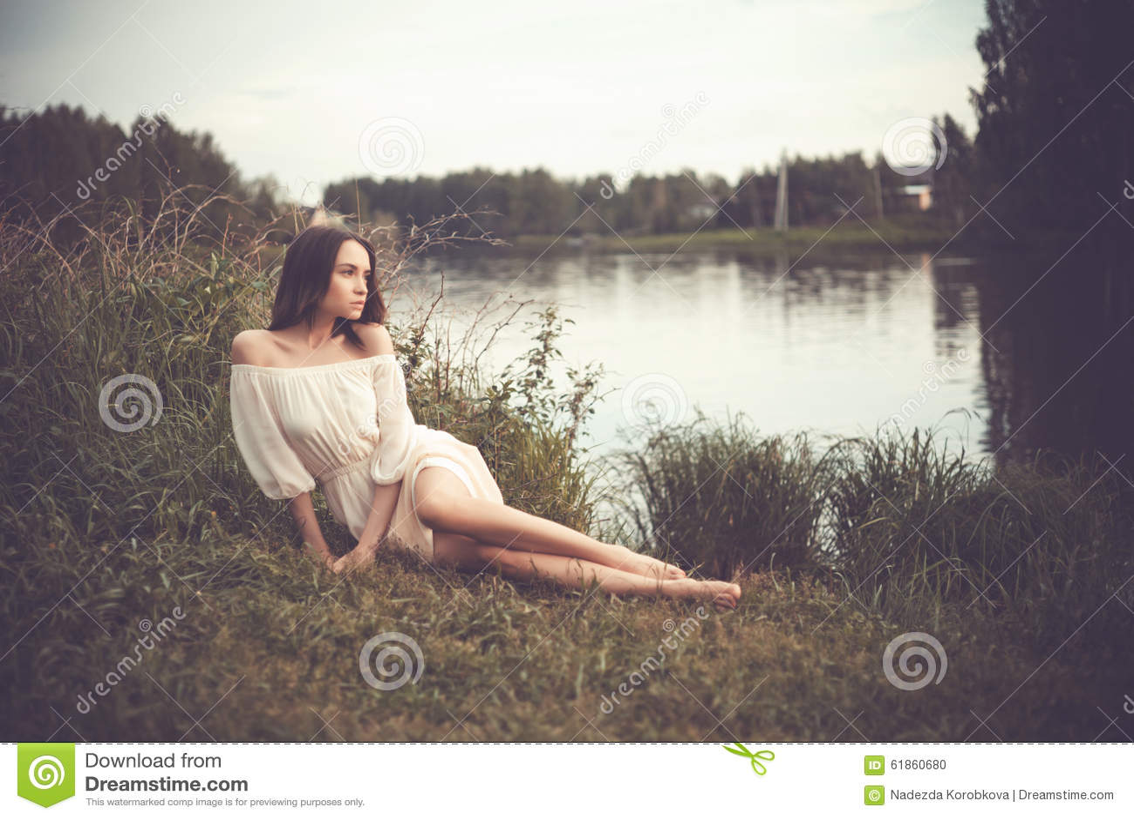 Belle dame à la rivière