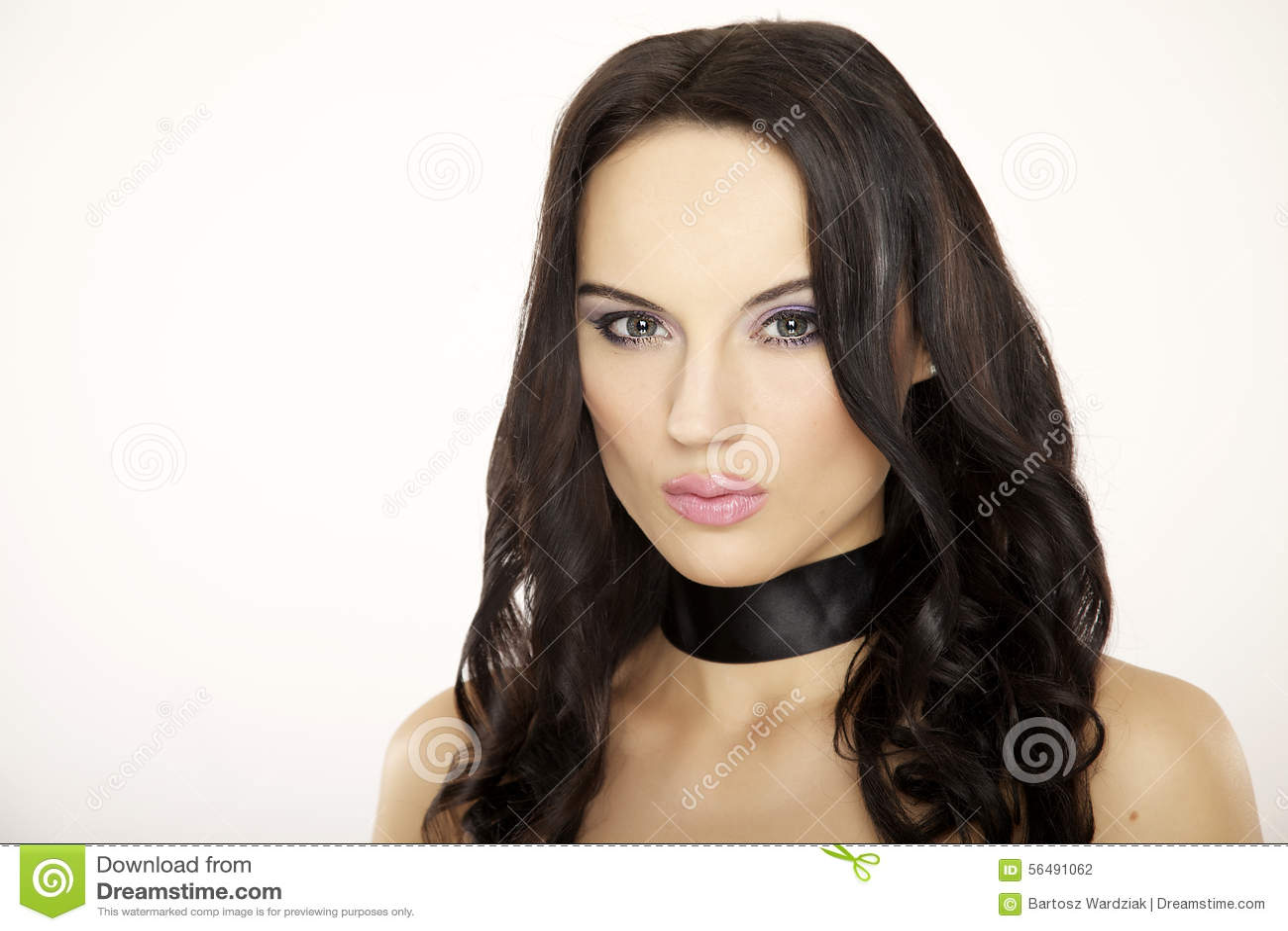Belle femme adulte de sensualité