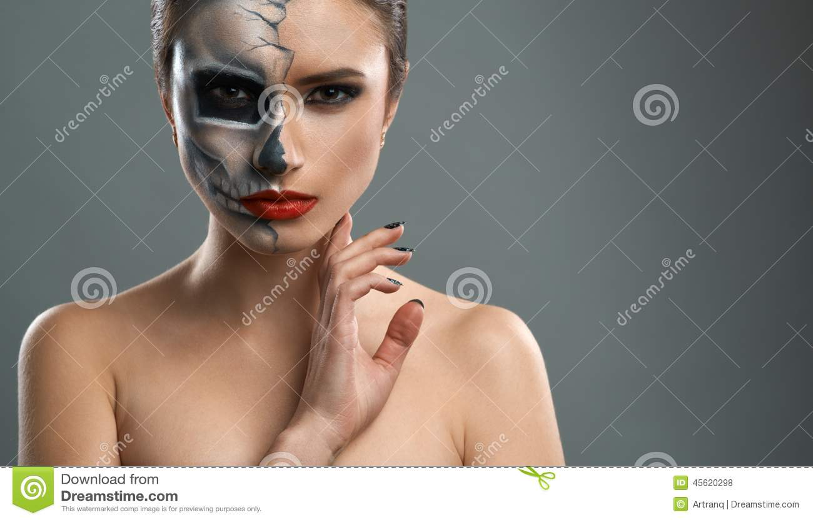 belle femme avec le squelette de maquillage photo stock image 45620298. Black Bedroom Furniture Sets. Home Design Ideas