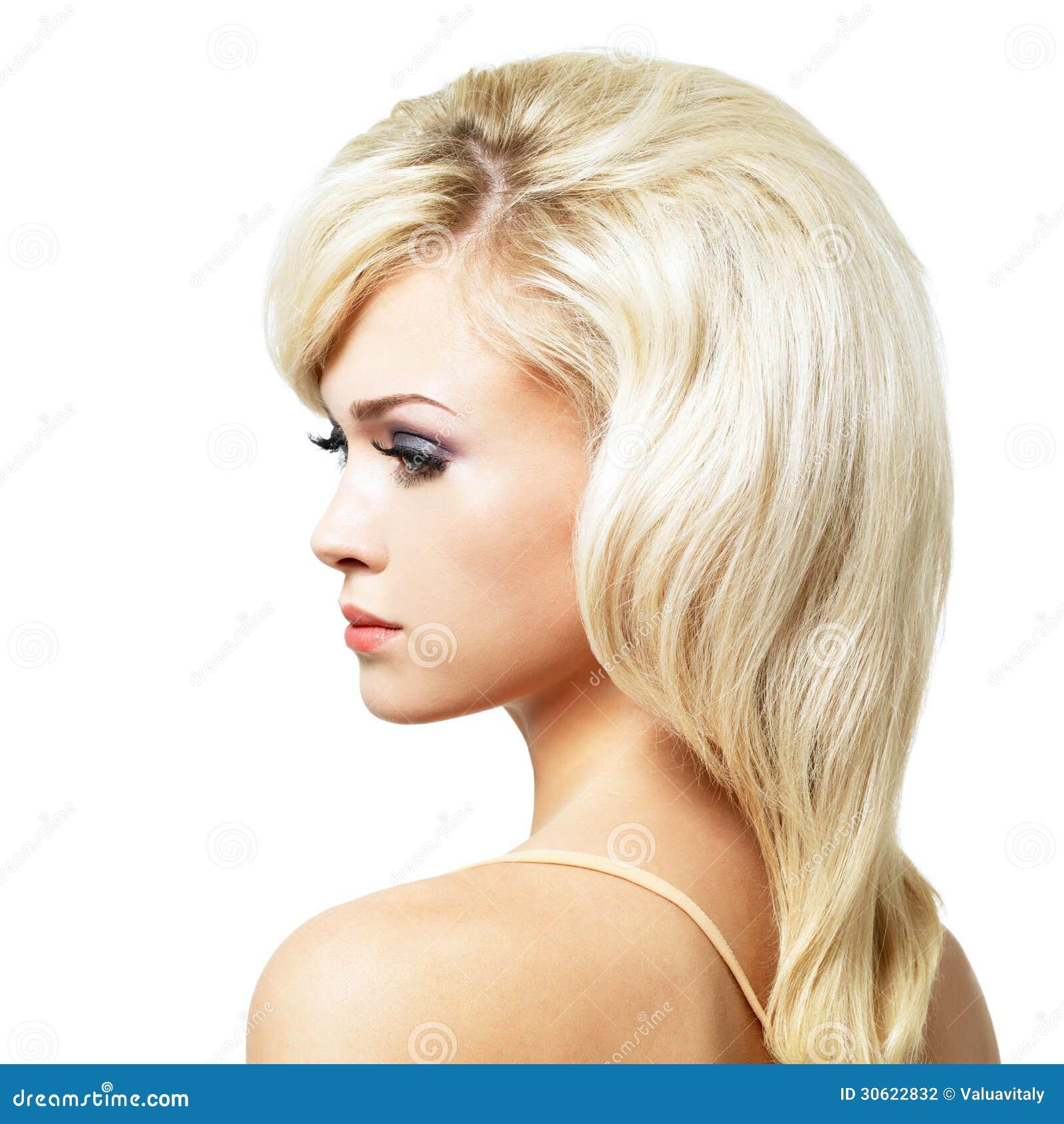 belle femme blonde avec la coiffure de style photographie stock image 30622832. Black Bedroom Furniture Sets. Home Design Ideas