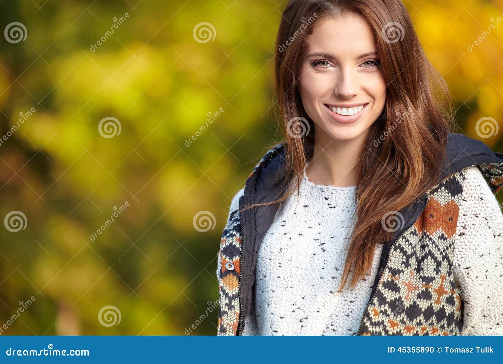 Belle femme d automne