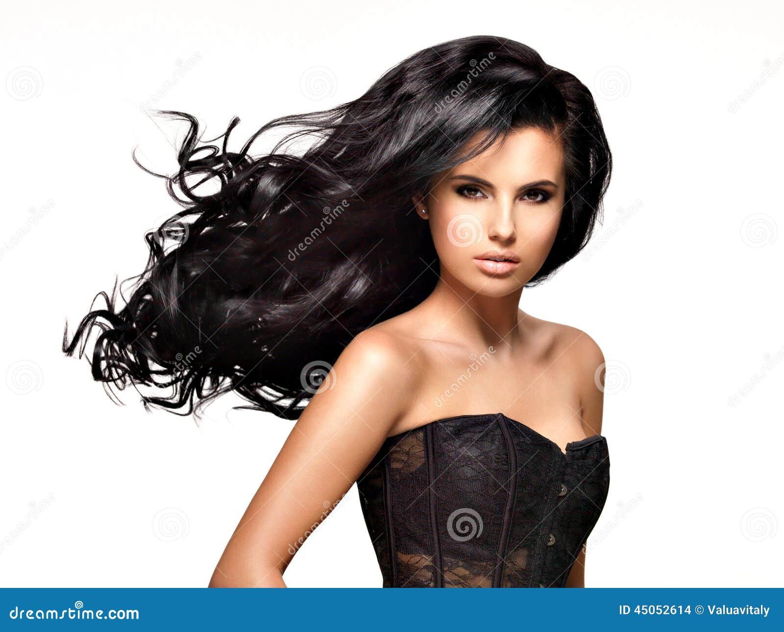 femme tres maigre cheveux longs noirs
