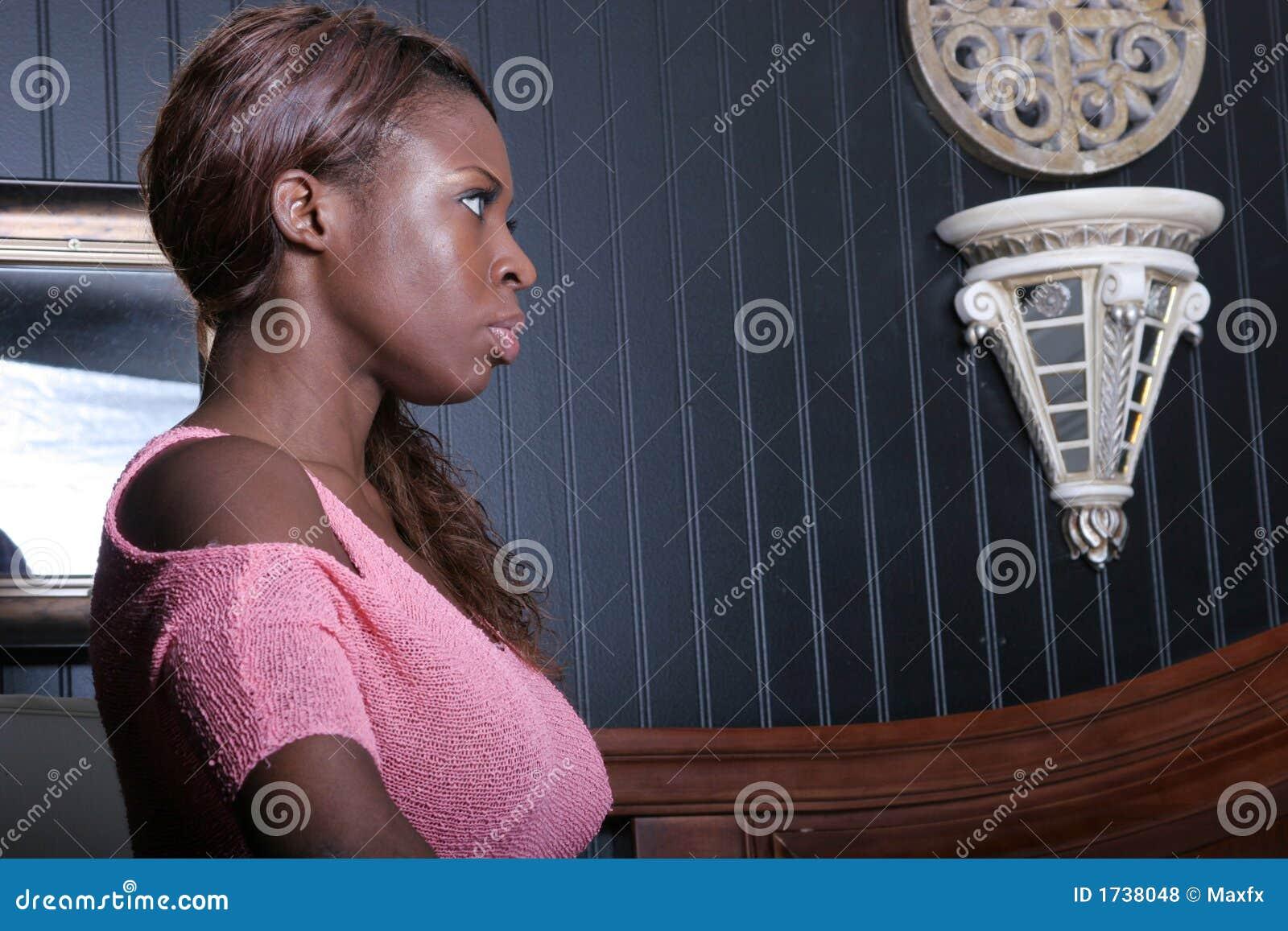 Belle femme de couleur