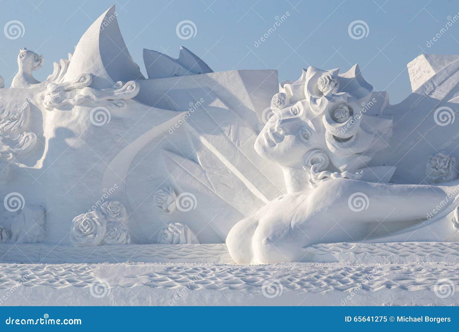 Belle femme de neige