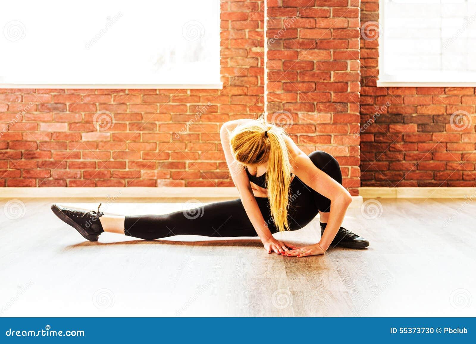 Belle femme en bonne santé de forme physique