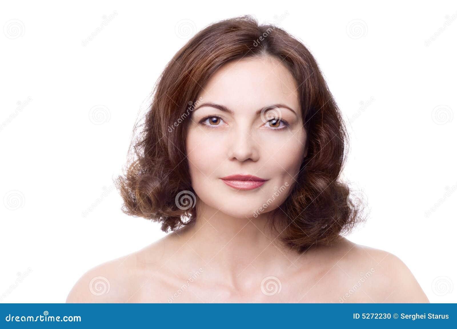 Belle femme entre deux âges