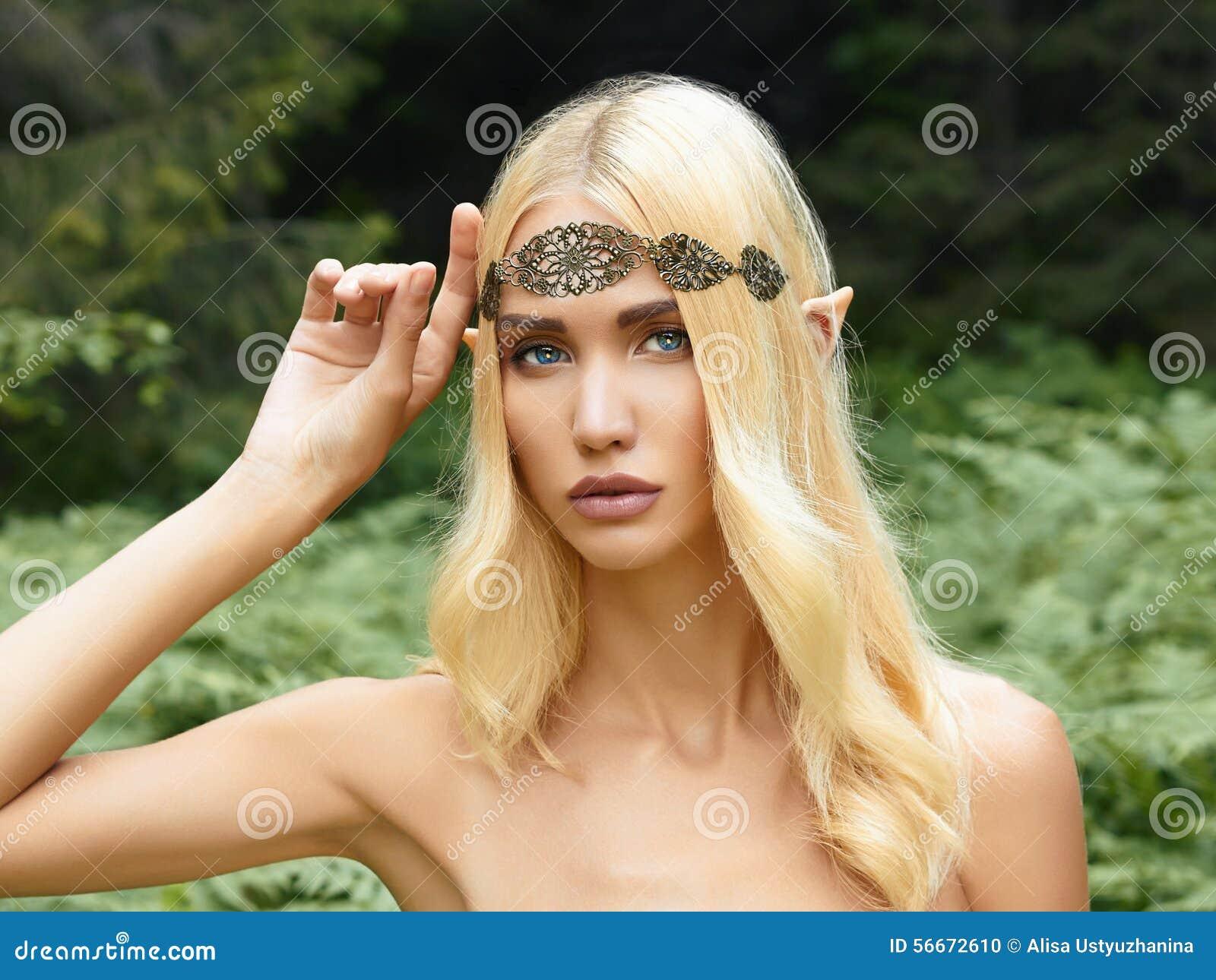 Belle fille d elfe